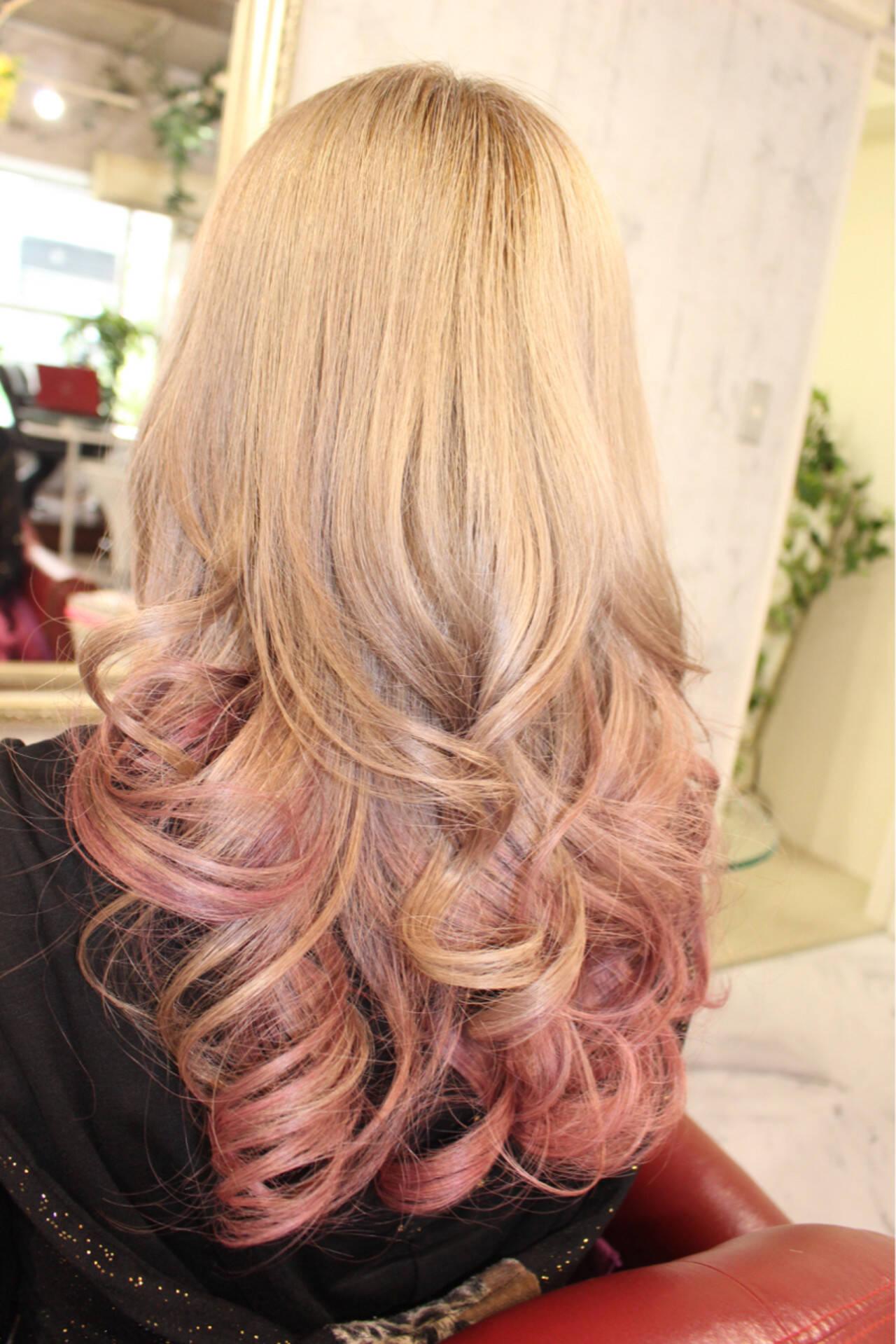 ピンク モード ヌーディーベージュ ハイトーンヘアスタイルや髪型の写真・画像