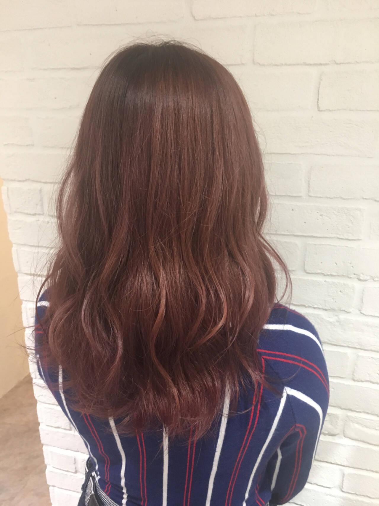 ベージュ セミロング ピンクアッシュ 外国人風ヘアスタイルや髪型の写真・画像