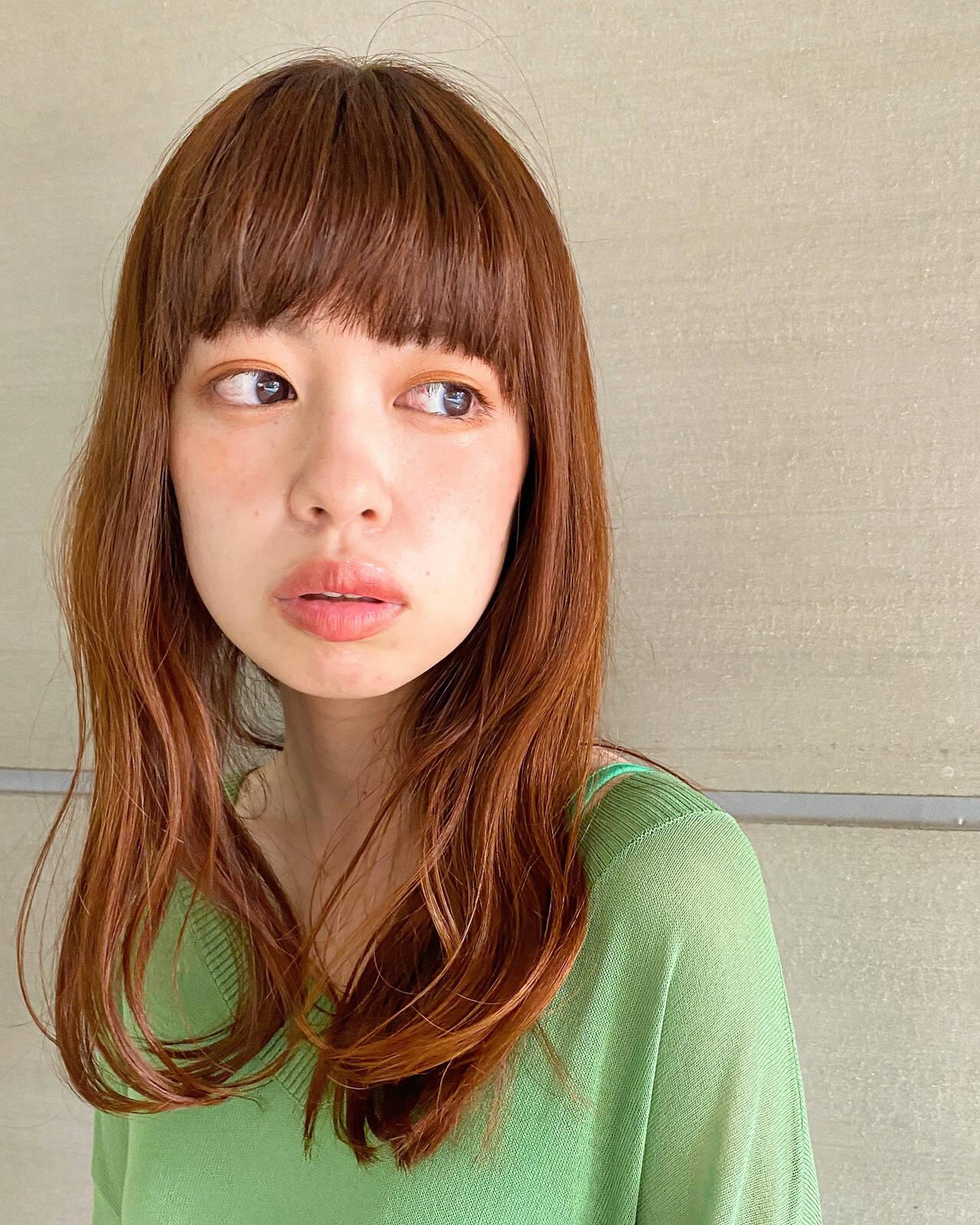 ロング オレンジブラウン レイヤーカット オレンジカラーヘアスタイルや髪型の写真・画像