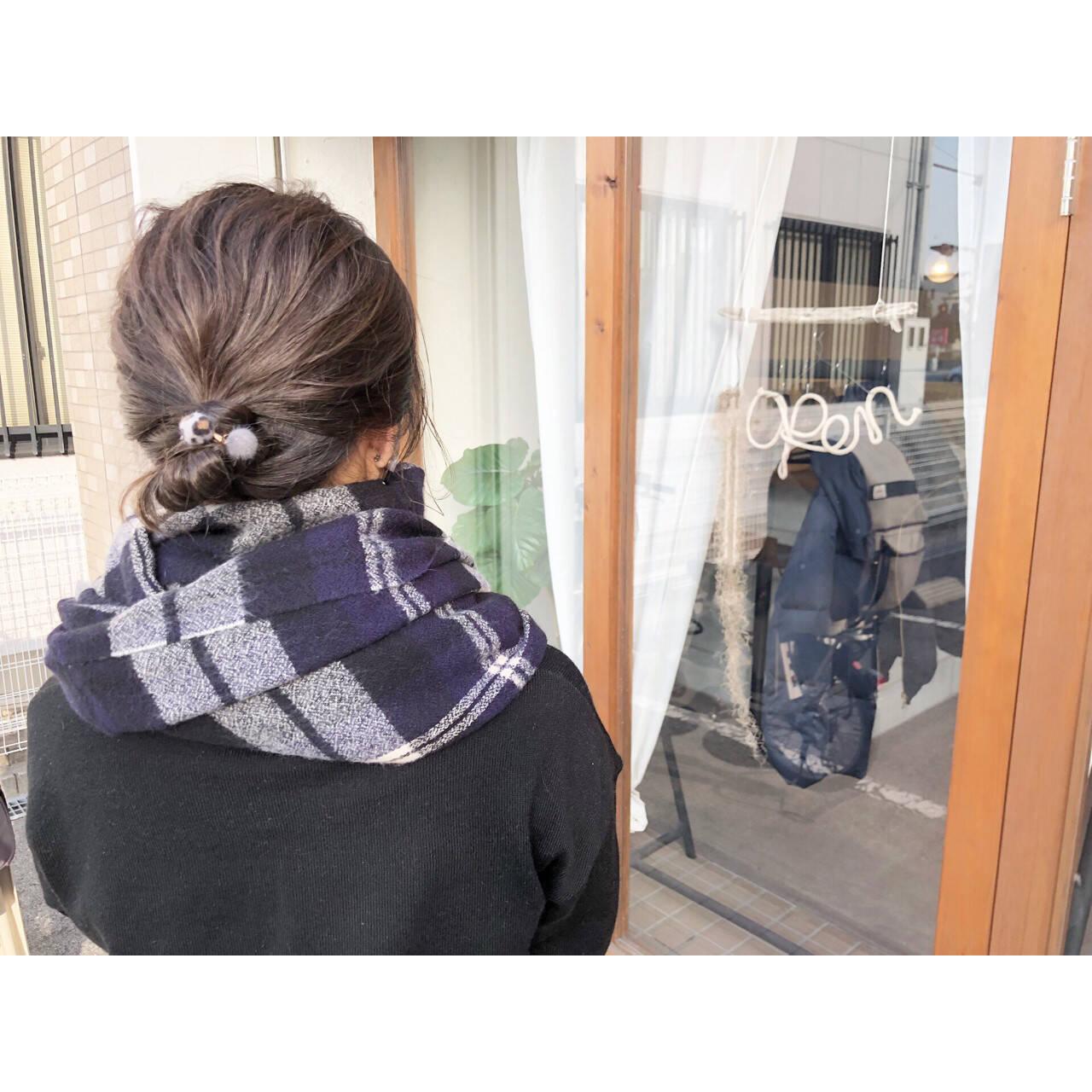 お団子 ナチュラル ハイライト 簡単ヘアアレンジヘアスタイルや髪型の写真・画像