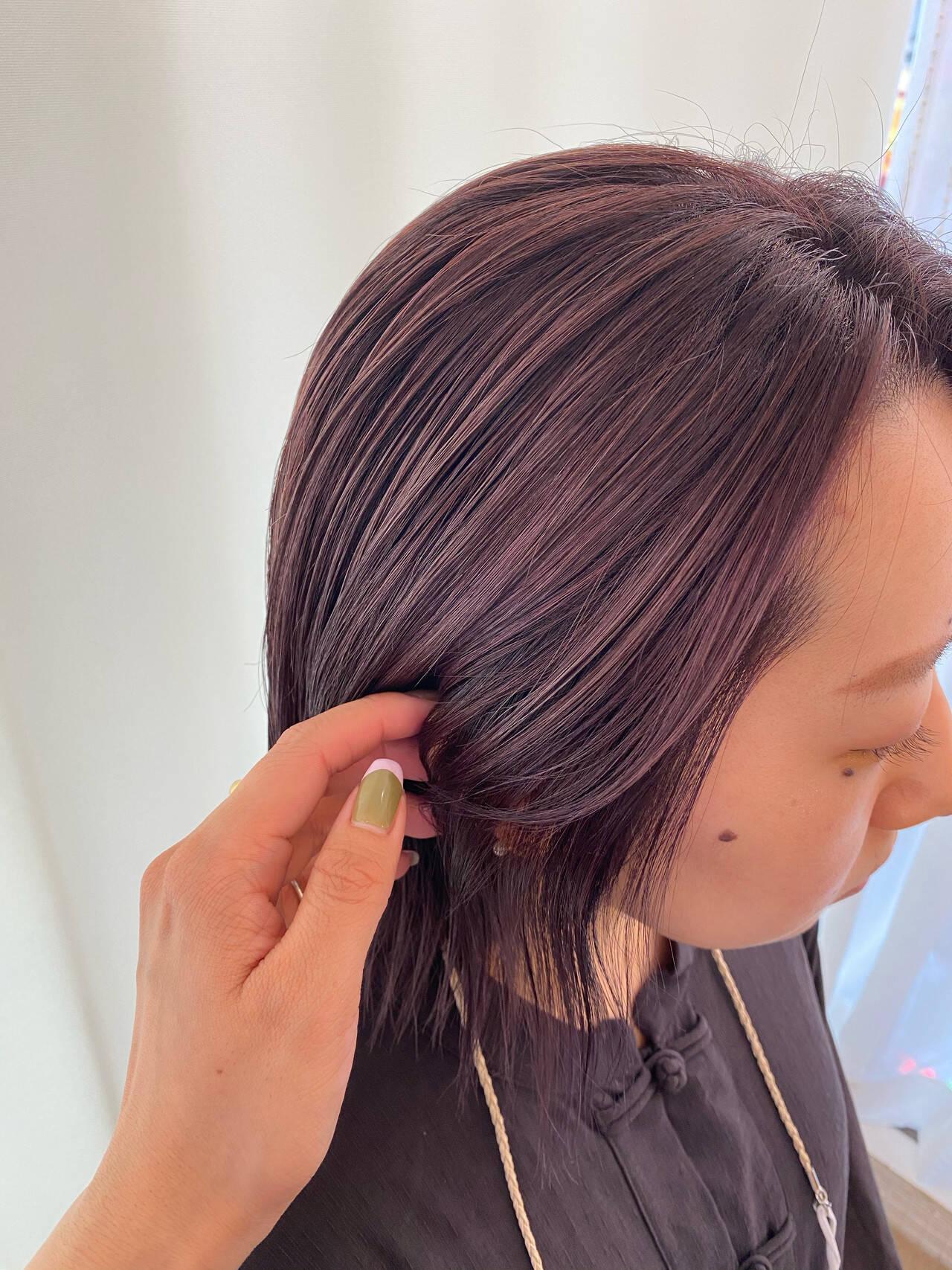 艶髪 暗髪バイオレット バイオレットアッシュ ナチュラルヘアスタイルや髪型の写真・画像
