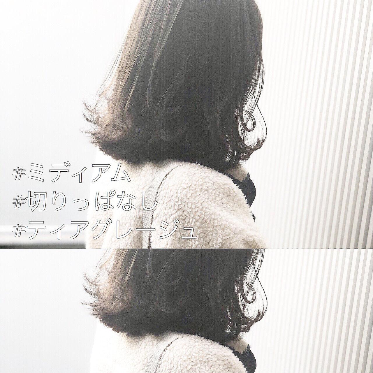 アッシュグレージュ 前髪 ミディアム ナチュラルヘアスタイルや髪型の写真・画像