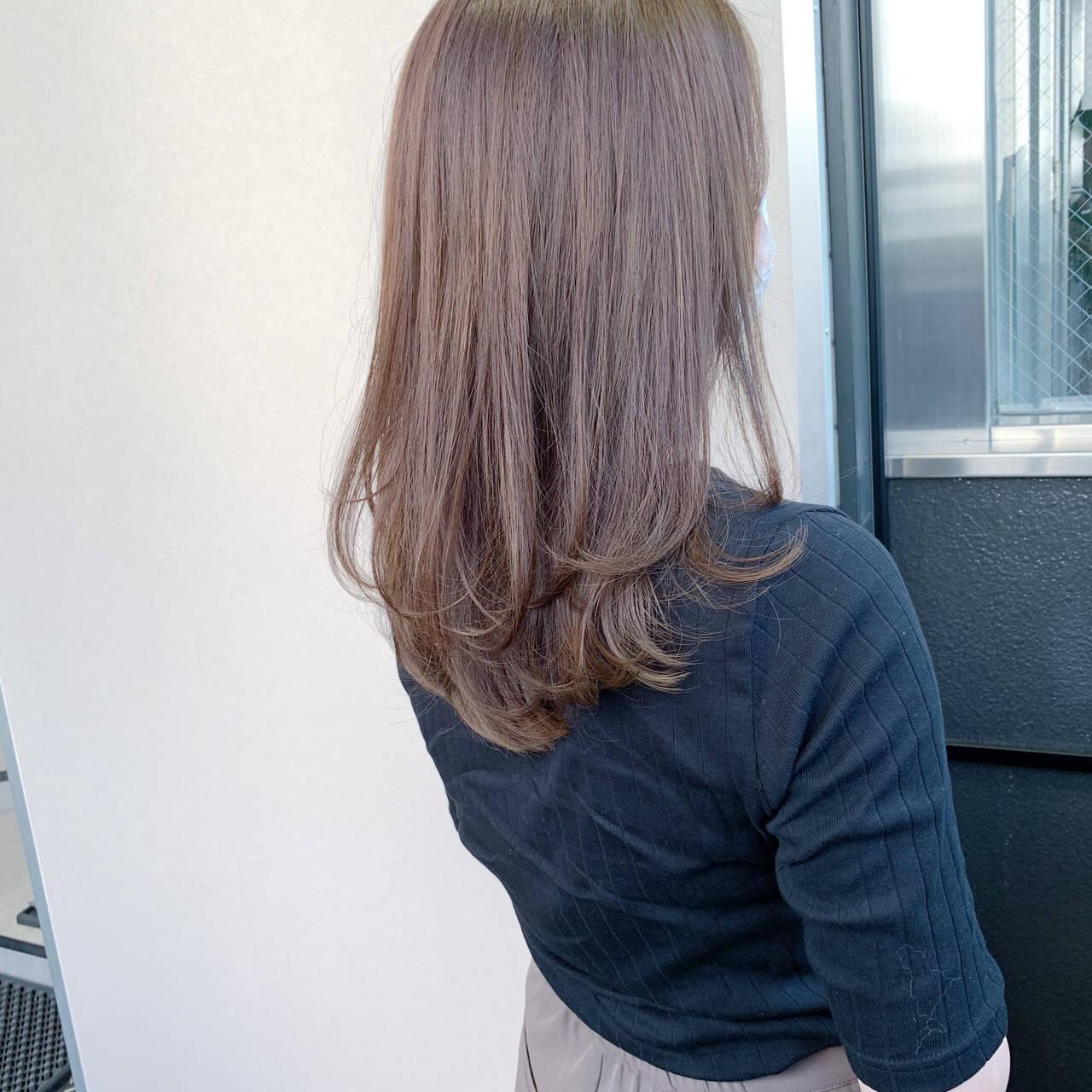 ロング レイヤーロングヘア ナチュラル 大人ロングヘアスタイルや髪型の写真・画像