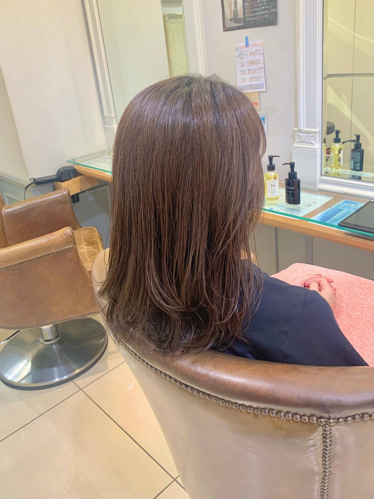 レイヤーカット ミディアムレイヤー セミロング レイヤースタイルヘアスタイルや髪型の写真・画像