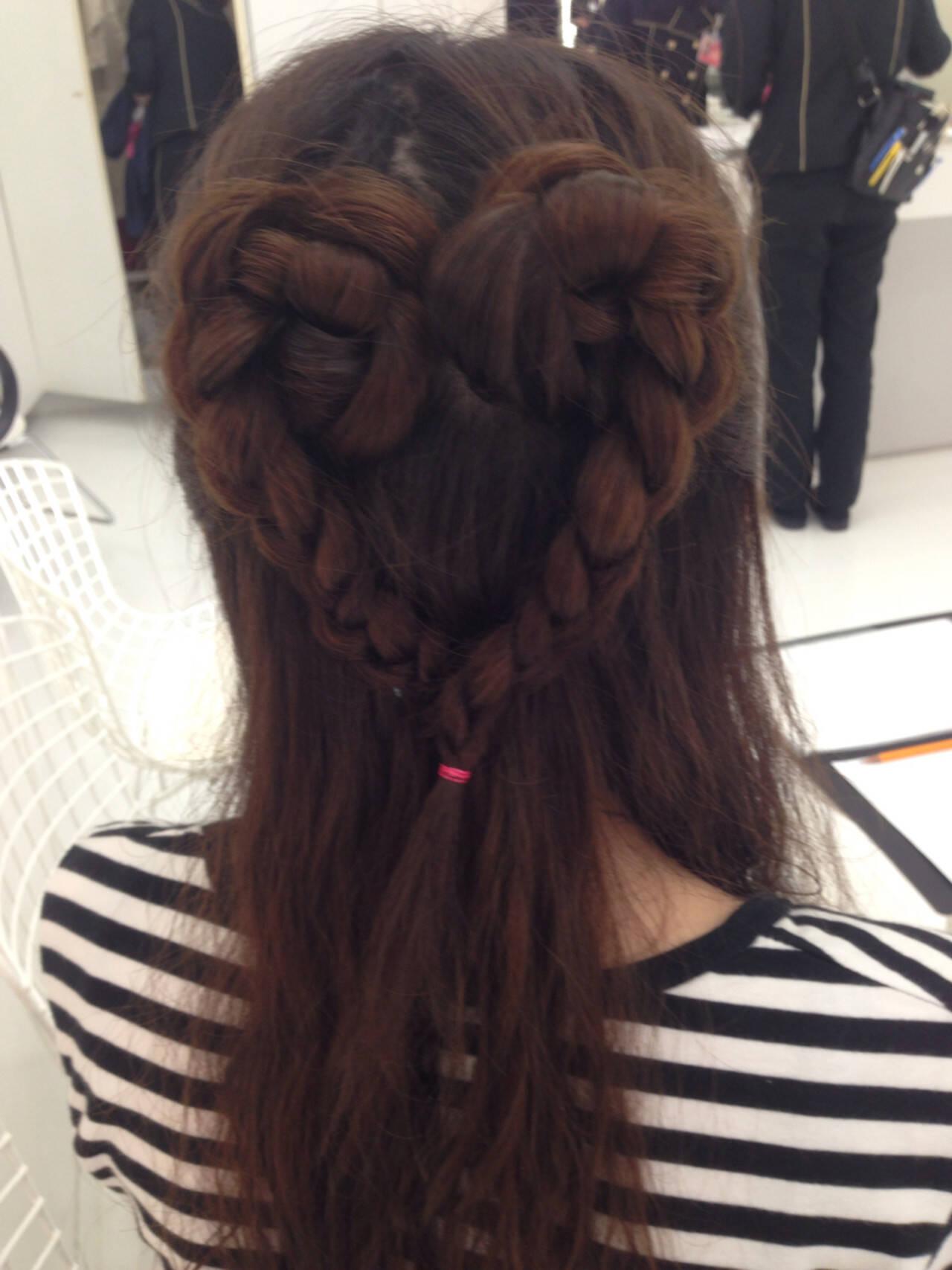 ヘアアレンジ 編み込み かわいい セミロングヘアスタイルや髪型の写真・画像