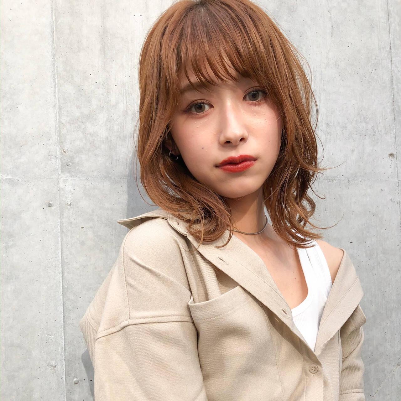 アンニュイほつれヘア ミディアム ふんわり前髪 ミディアムレイヤーヘアスタイルや髪型の写真・画像