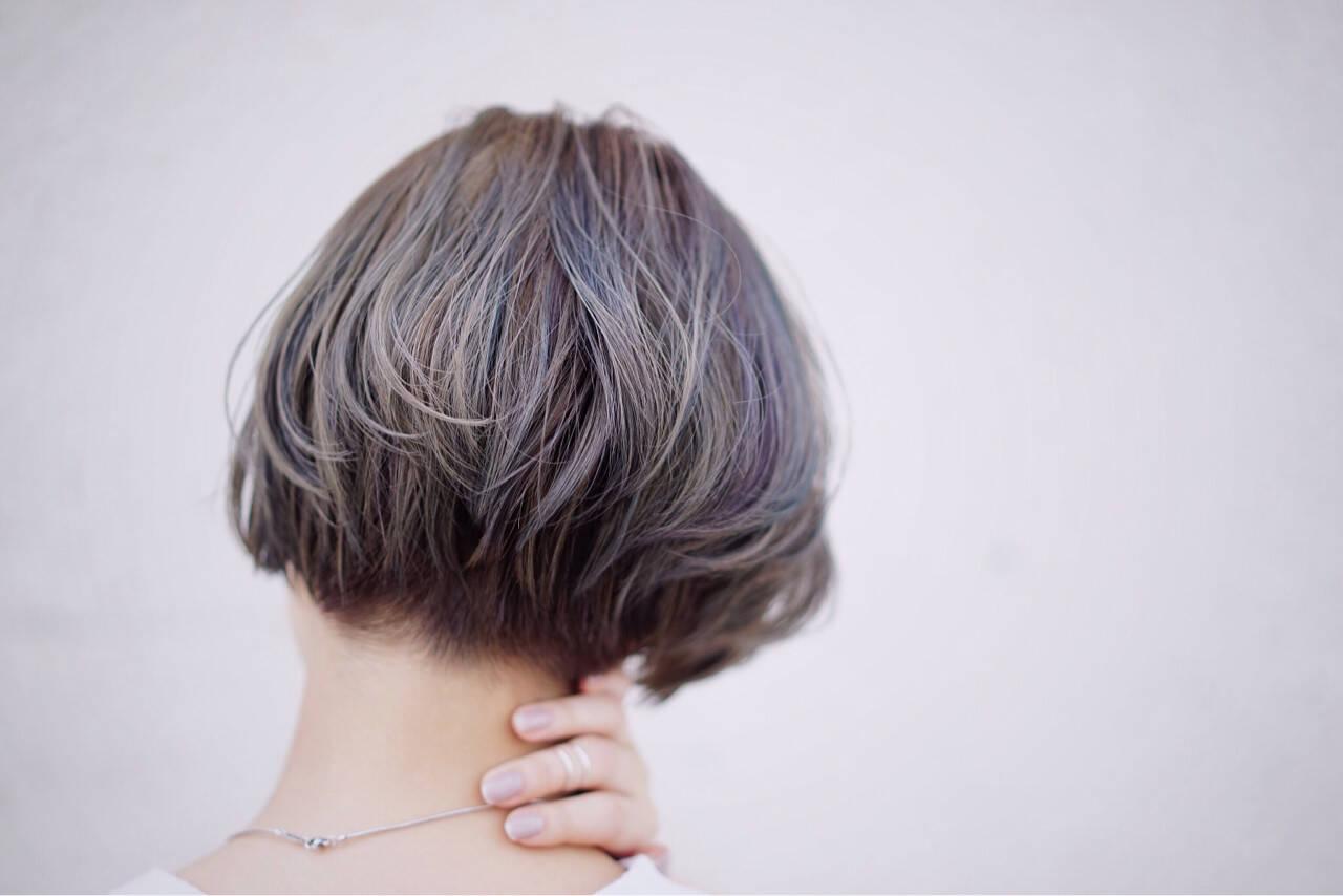 ダブルカラー 切りっぱなし ショート ボブヘアスタイルや髪型の写真・画像