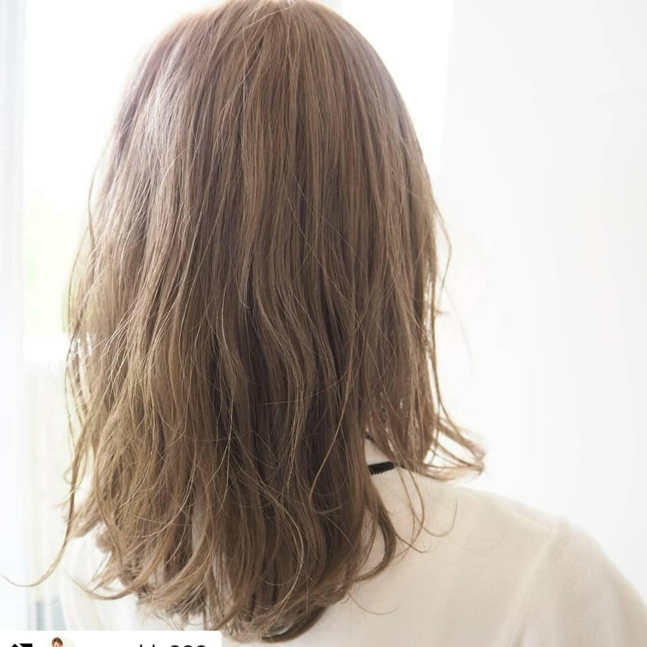 ナチュラル ミルクティーベージュ 透明感カラー 透明感ヘアスタイルや髪型の写真・画像