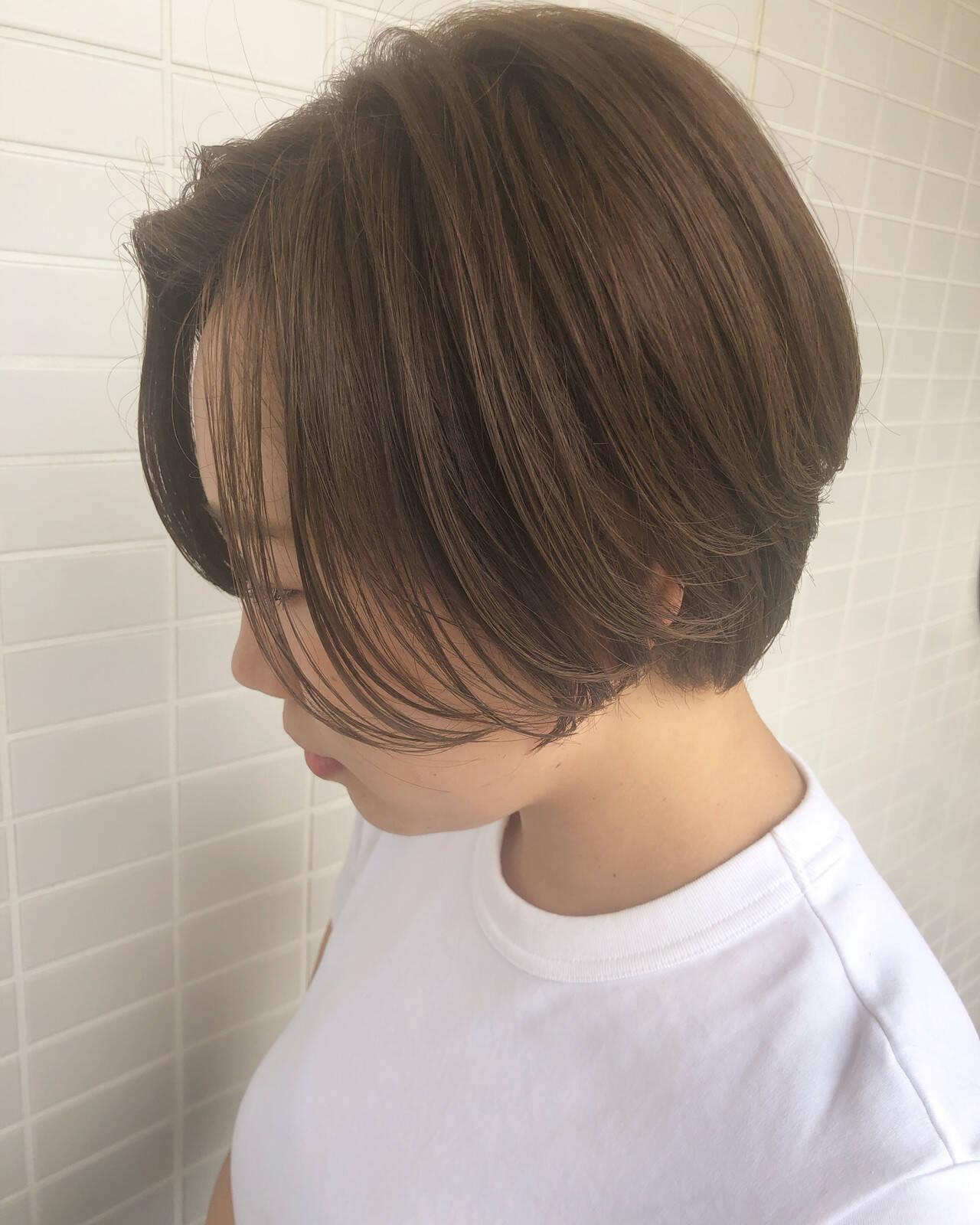 ハンサムショート 小顔ショート ショートボブ ナチュラルヘアスタイルや髪型の写真・画像