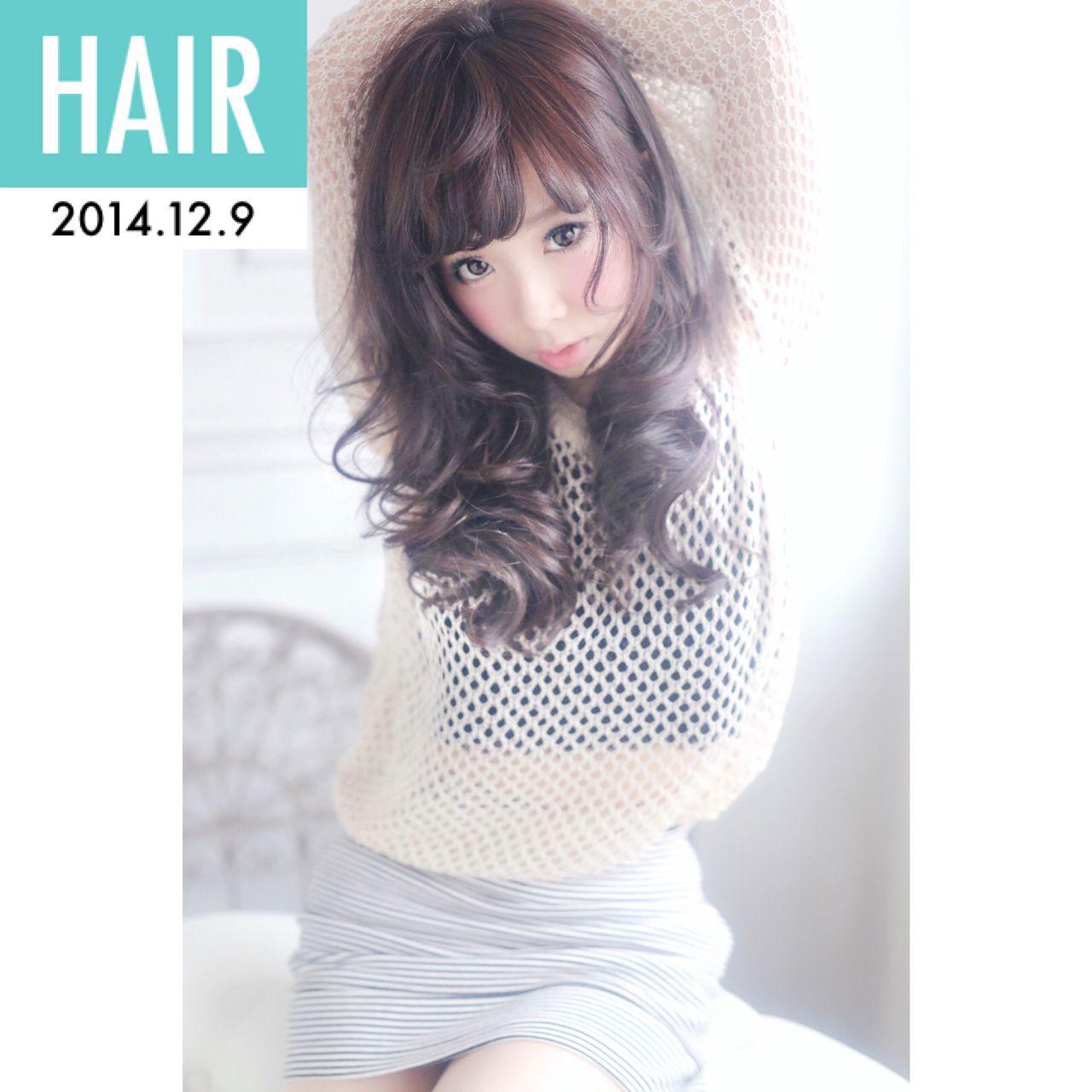 アップスタイル セミロング ウェーブ ストリートヘアスタイルや髪型の写真・画像