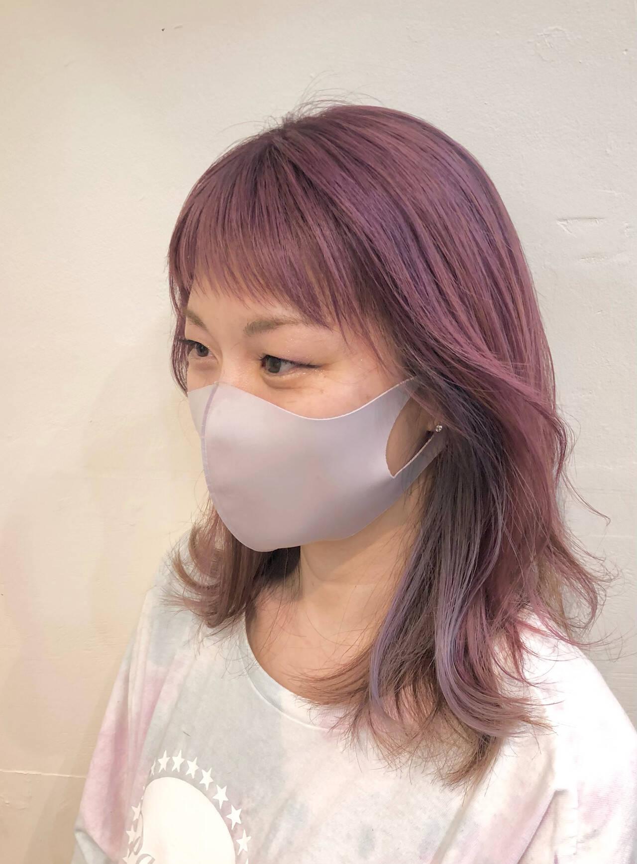 グラデーションカラー バレイヤージュ インナーカラー ナチュラルヘアスタイルや髪型の写真・画像