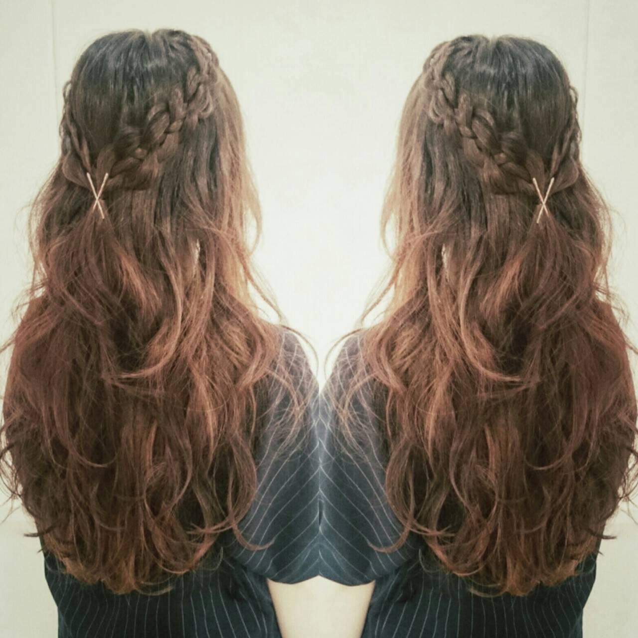 四つ編み フェミニン ヘアアレンジ ロングヘアスタイルや髪型の写真・画像