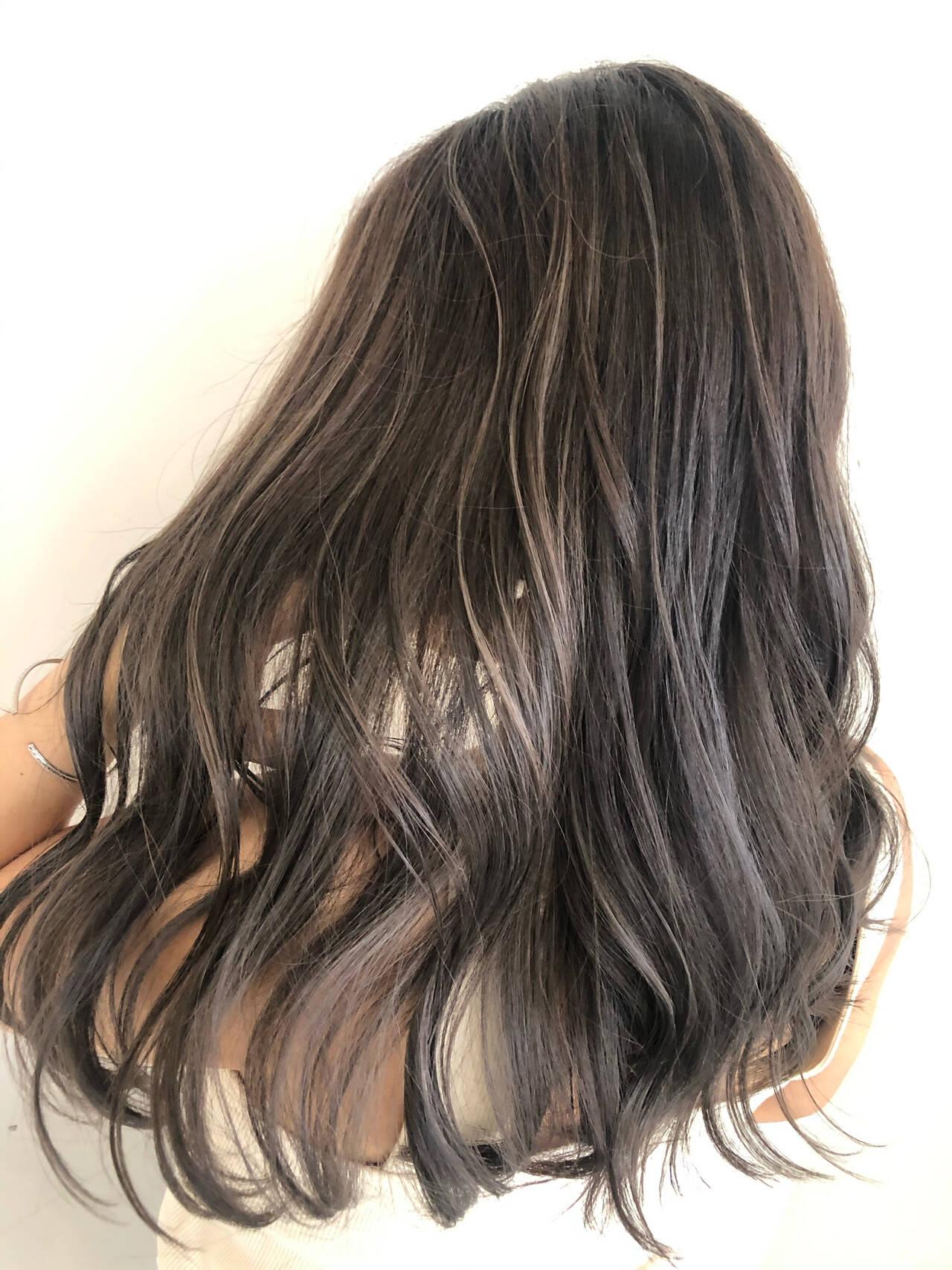 ロング コントラストハイライト ナチュラル グラデーションカラーヘアスタイルや髪型の写真・画像