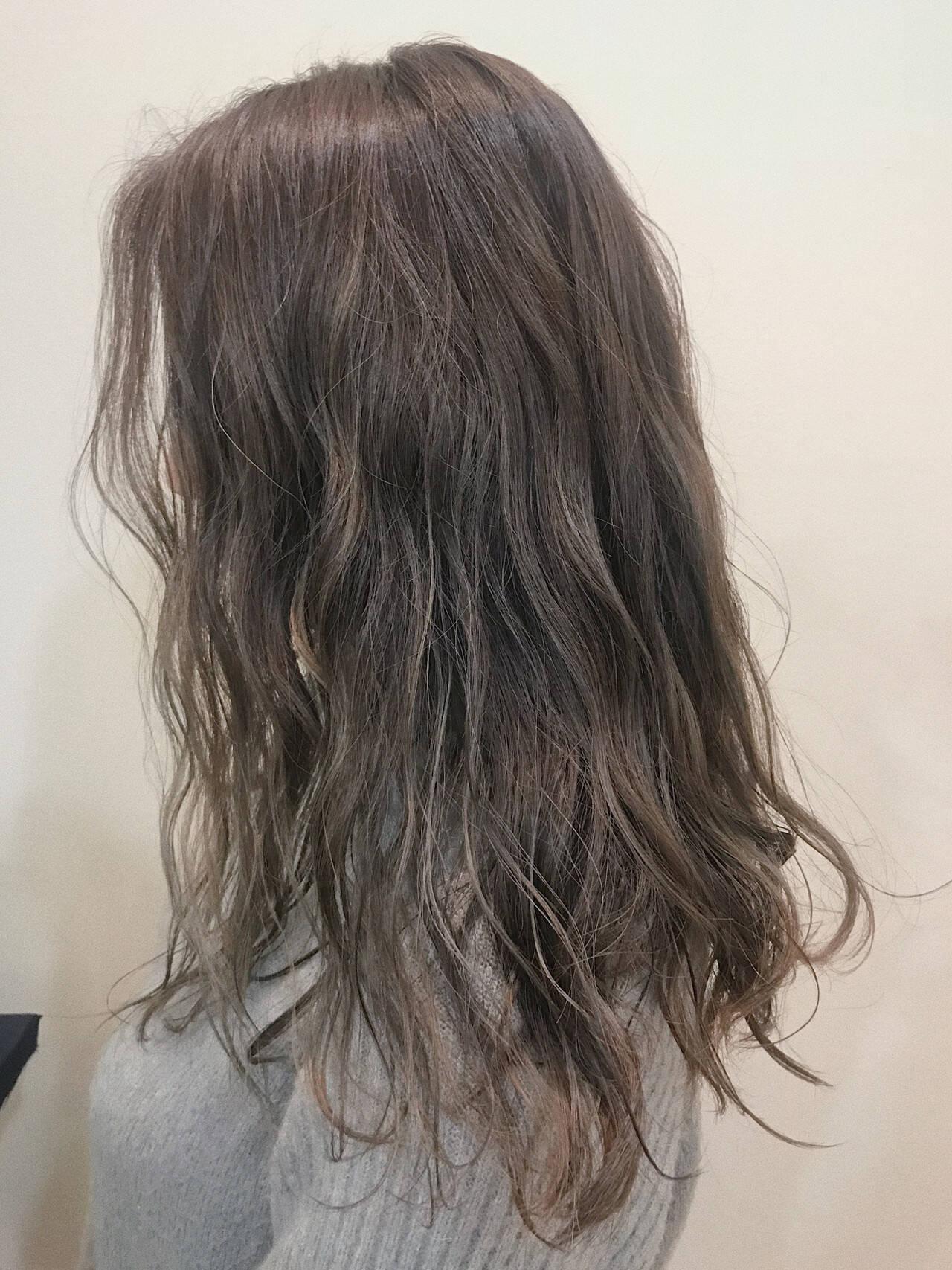 ロング グラデーションカラー ハイライト エレガントヘアスタイルや髪型の写真・画像