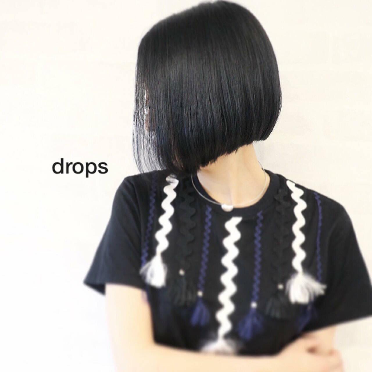 ストレート モード ボブ ブルーブラックヘアスタイルや髪型の写真・画像