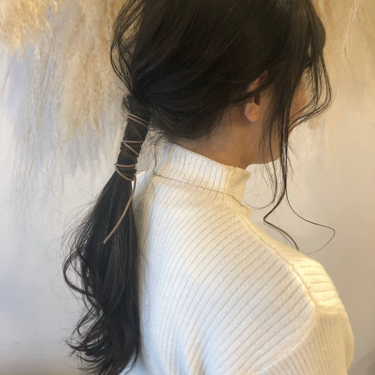 紐アレンジ ヘアアレンジ ロング ナチュラルヘアスタイルや髪型の写真・画像