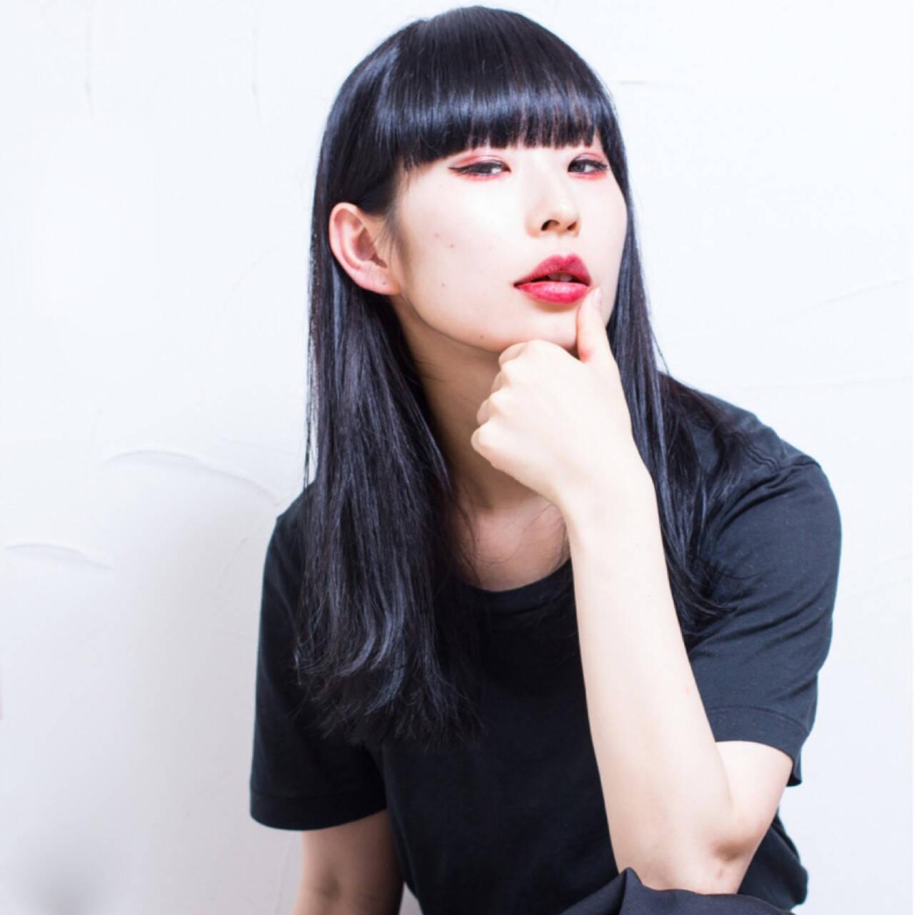 ブルーブラック ストリート セミロング ウェットヘアヘアスタイルや髪型の写真・画像