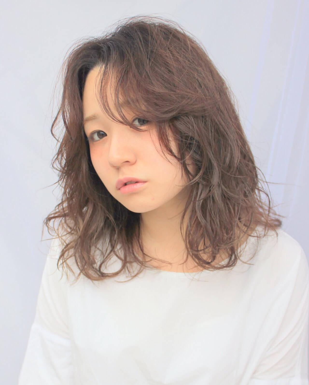 フェザーバング アッシュ レイヤーカット セミロングヘアスタイルや髪型の写真・画像