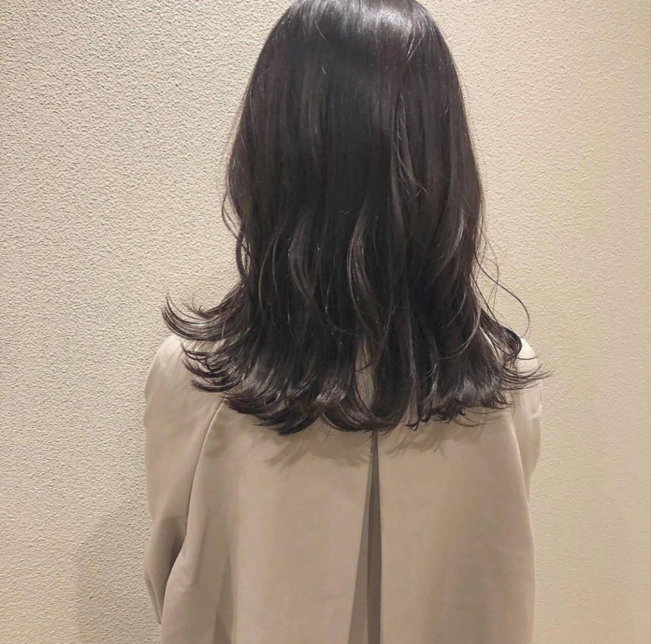 ナチュラル ダークカラー 暗色カラー セミロングヘアスタイルや髪型の写真・画像