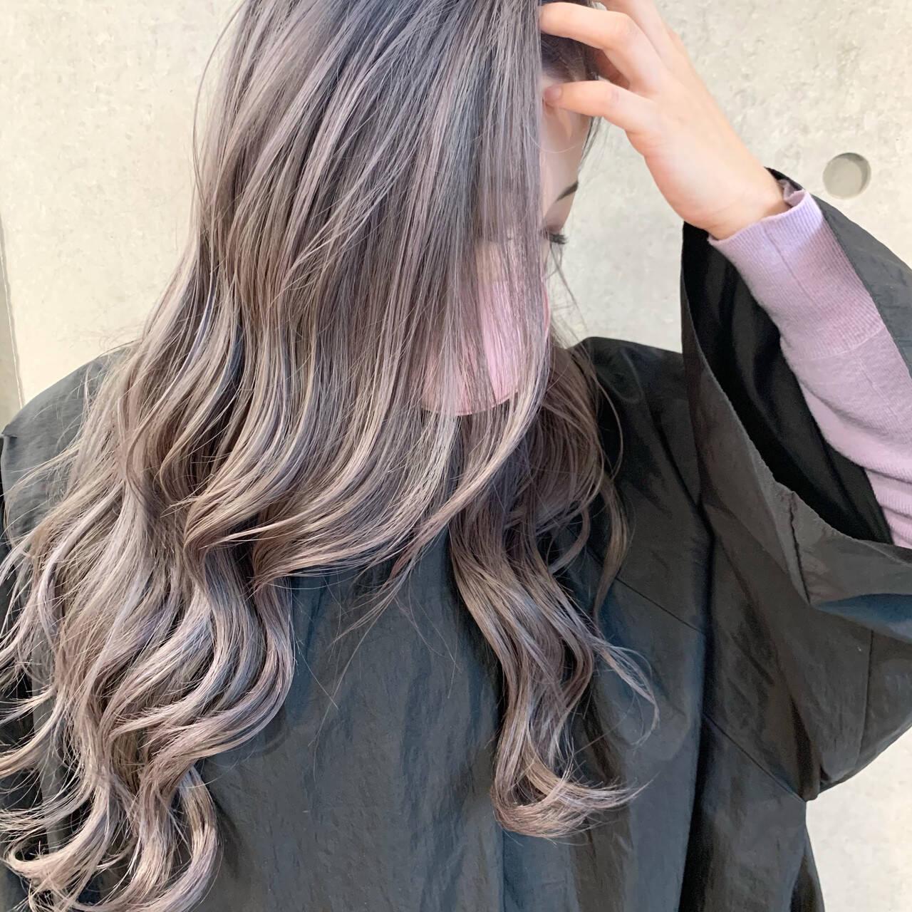 ダブルカラー ラベンダーグレージュ 透明感カラー バレイヤージュヘアスタイルや髪型の写真・画像
