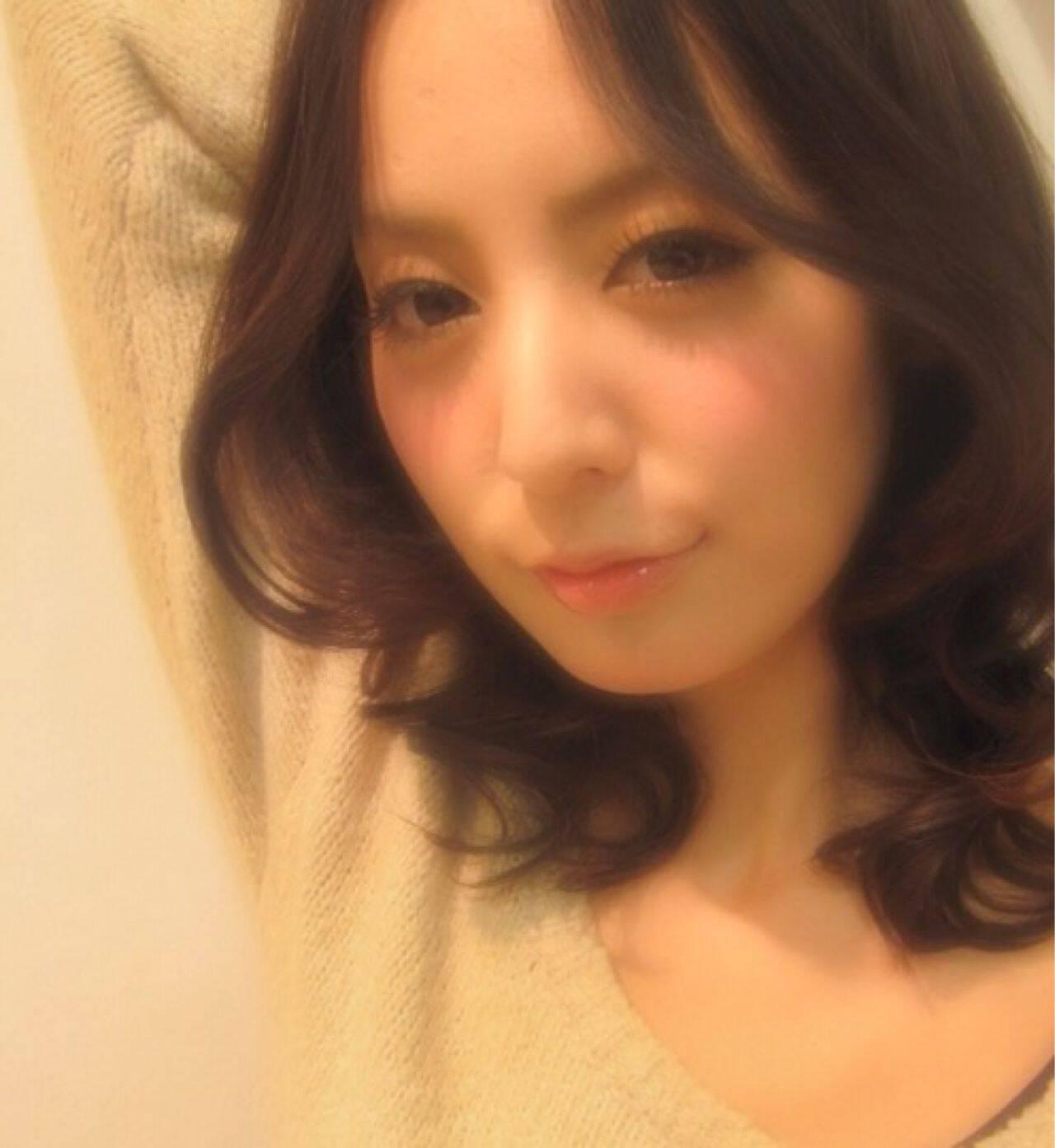 ミディアム モテ髪 秋 ゆるふわヘアスタイルや髪型の写真・画像