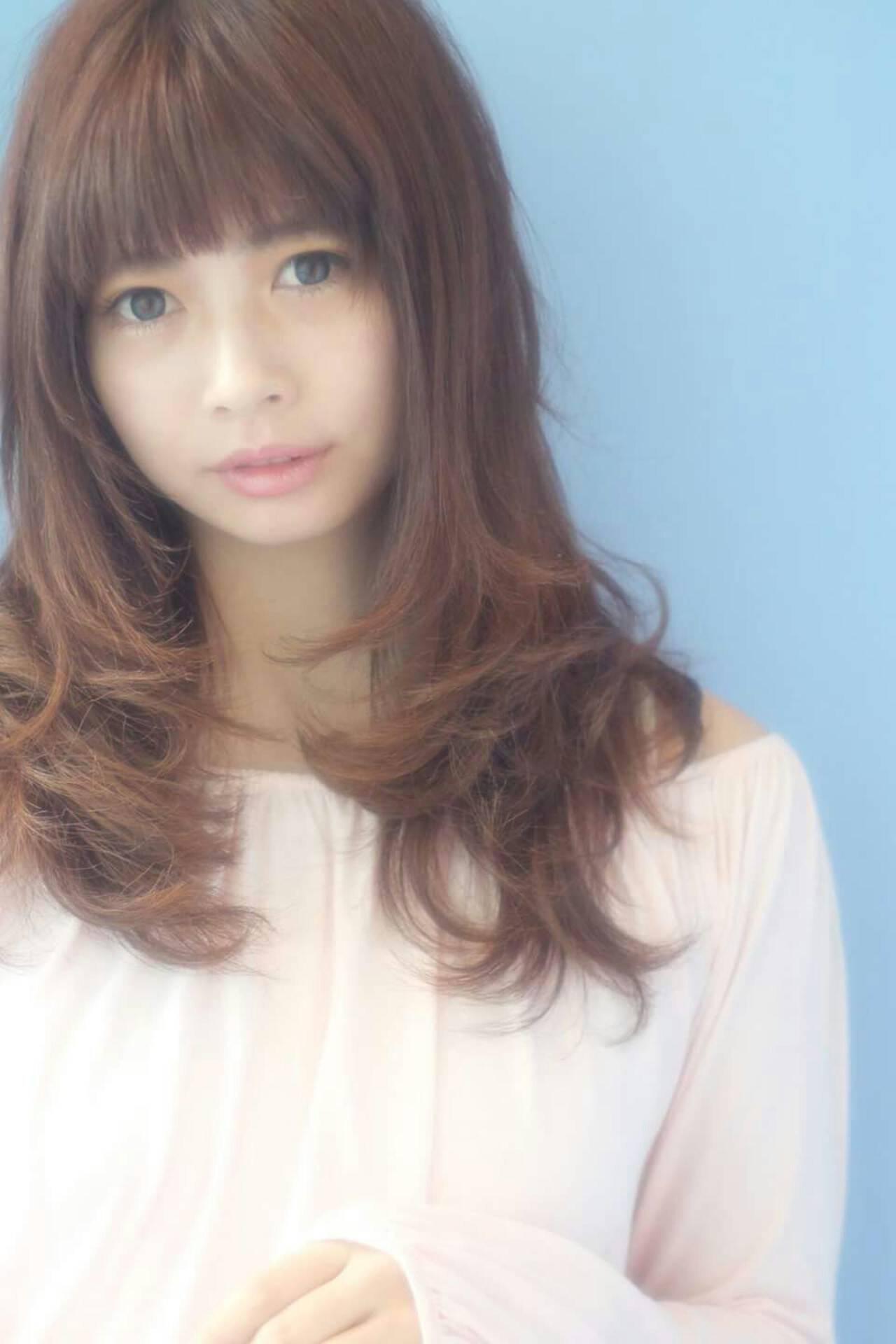 大人かわいい コンサバ 前髪あり レイヤーカットヘアスタイルや髪型の写真・画像