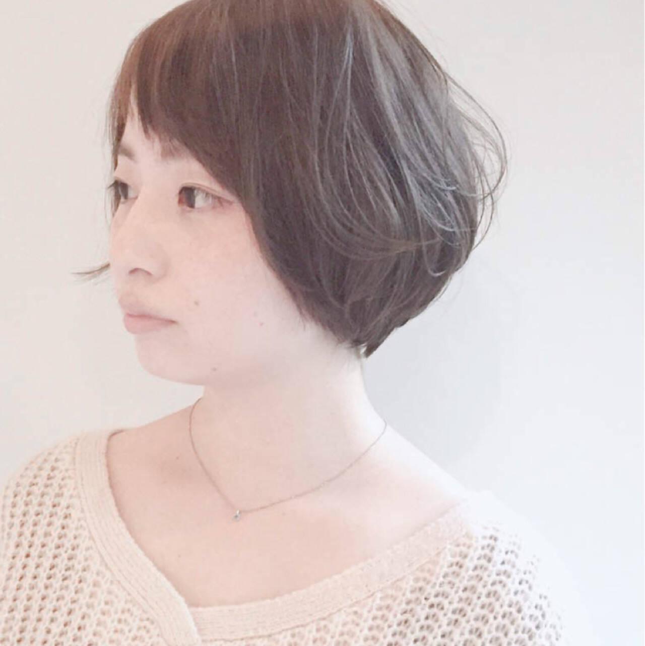 大人女子 ミルクティー ショートボブ 色気ヘアスタイルや髪型の写真・画像