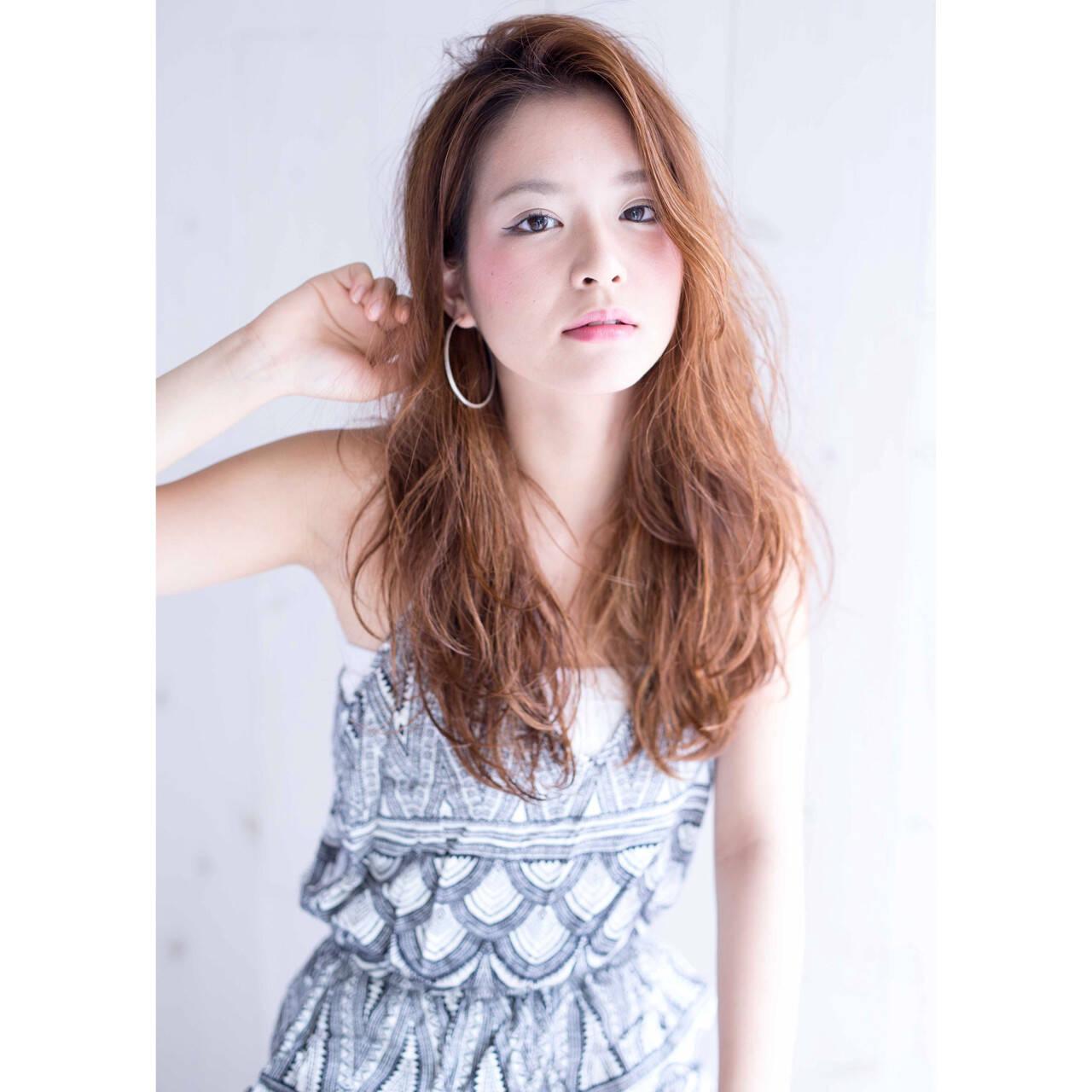 ガーリー 外国人風 グラデーションカラー ウェーブヘアスタイルや髪型の写真・画像