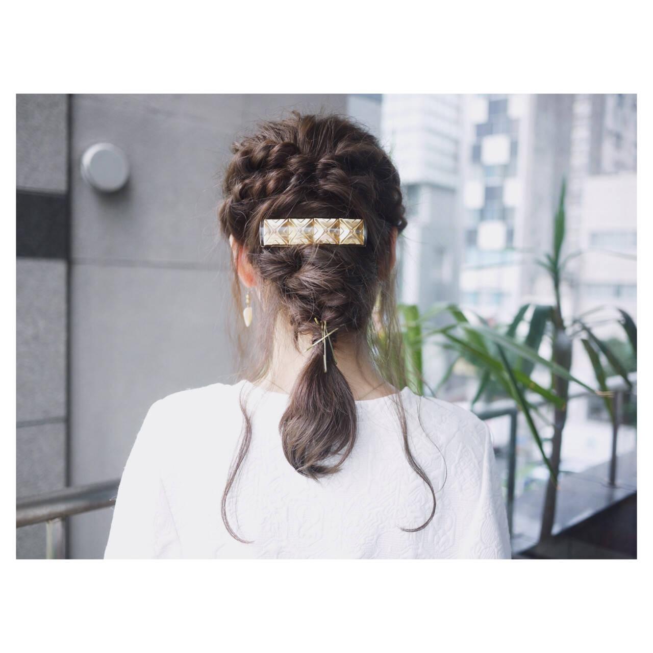 編み込み ミディアム ヘアアレンジ 簡単ヘアアレンジヘアスタイルや髪型の写真・画像