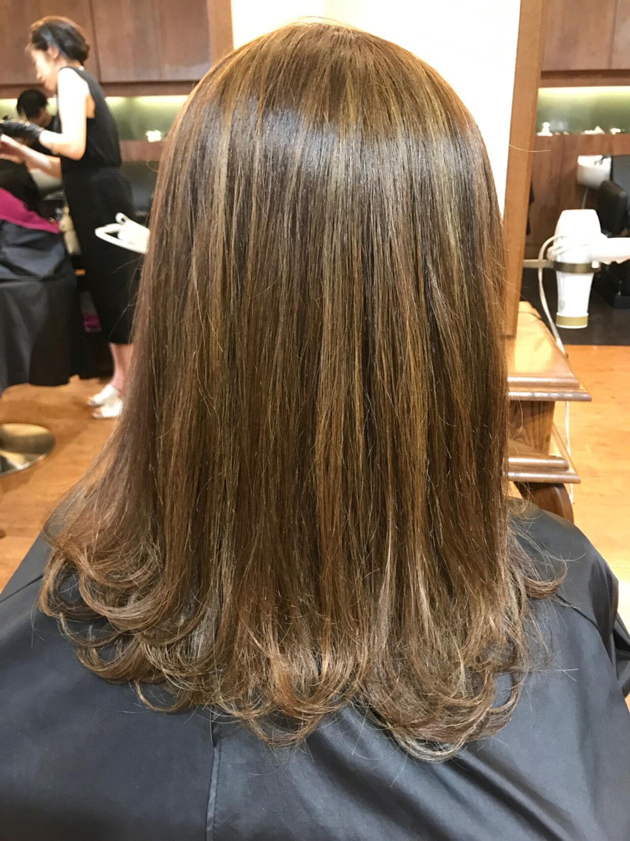 ウェーブ 外ハネ ハイライト かわいいヘアスタイルや髪型の写真・画像
