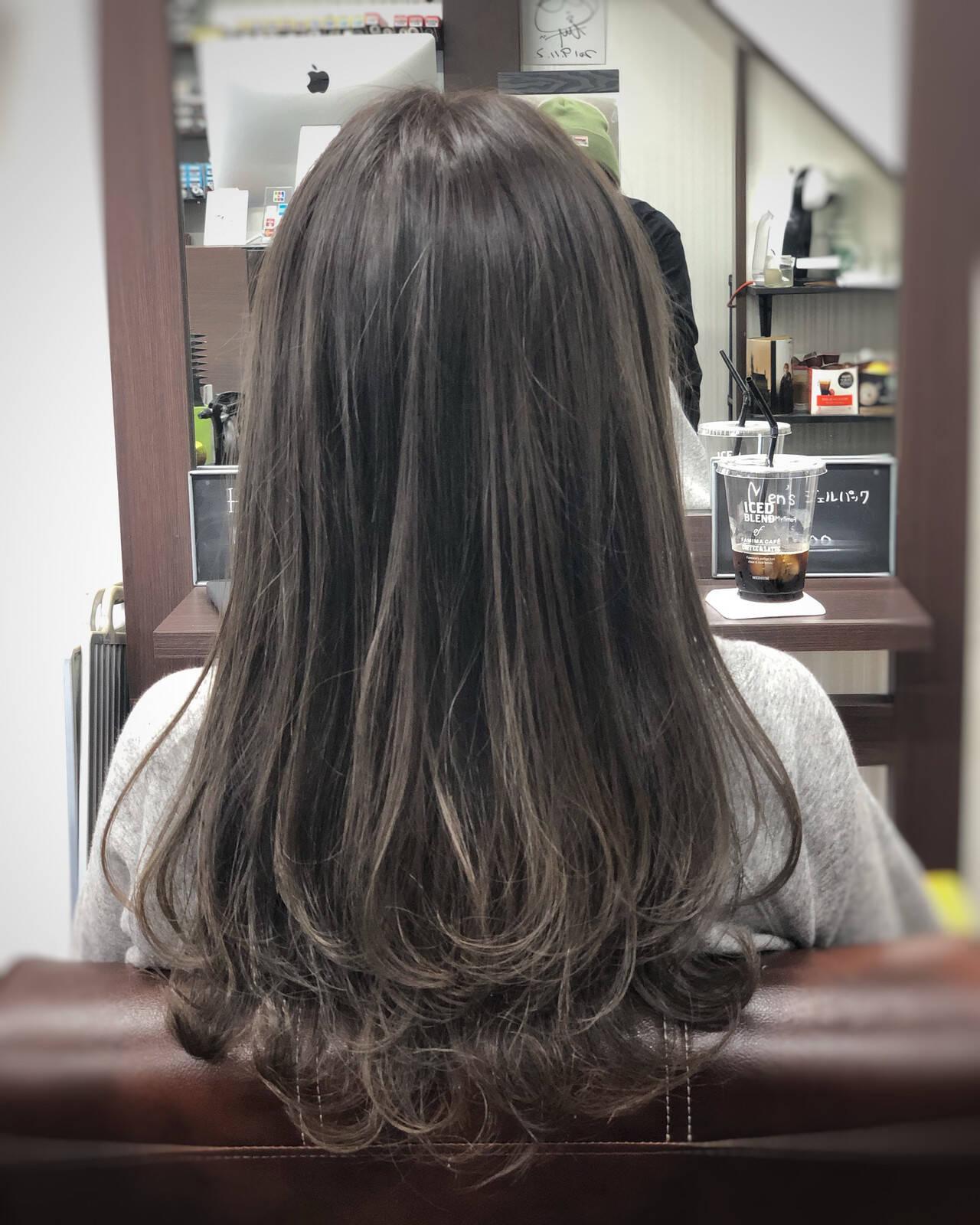 ナチュラル ミディアム ハイライト ミルクティーベージュヘアスタイルや髪型の写真・画像