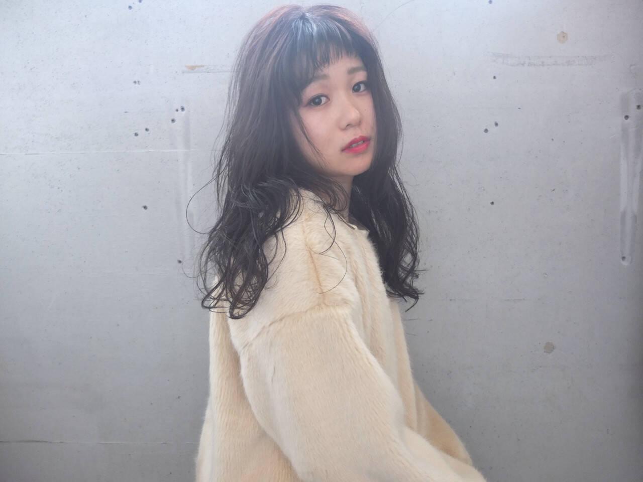 ロング デジタルパーマ イルミナカラー オン眉ヘアスタイルや髪型の写真・画像