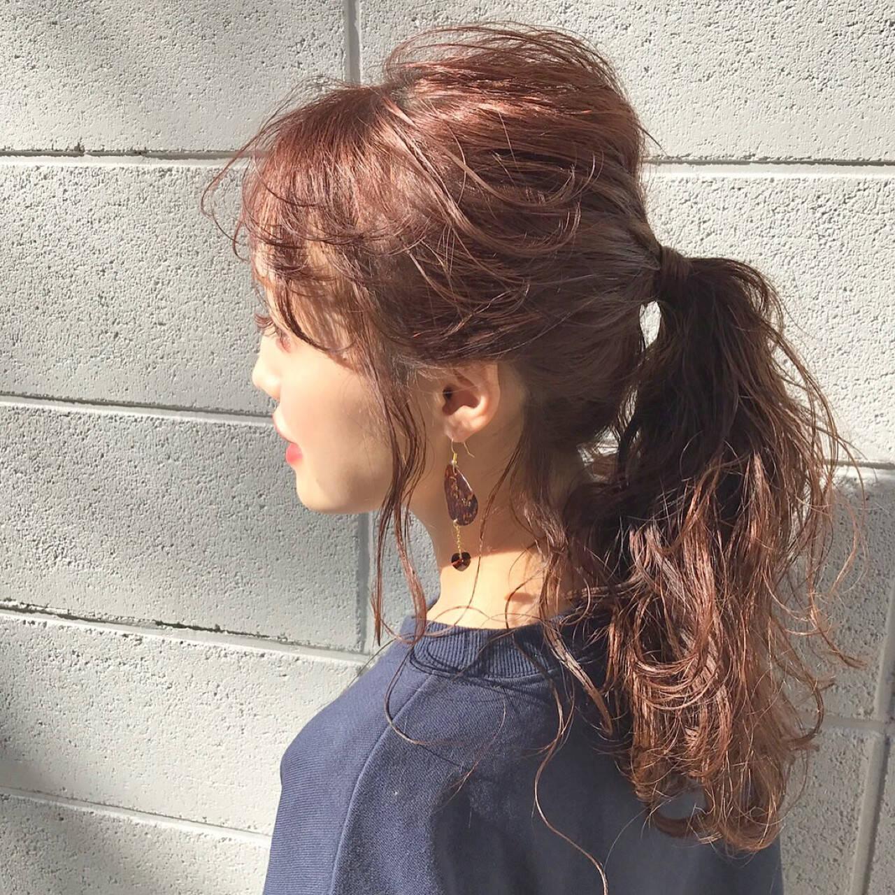 セミロング フリンジバング 前髪あり デートヘアスタイルや髪型の写真・画像