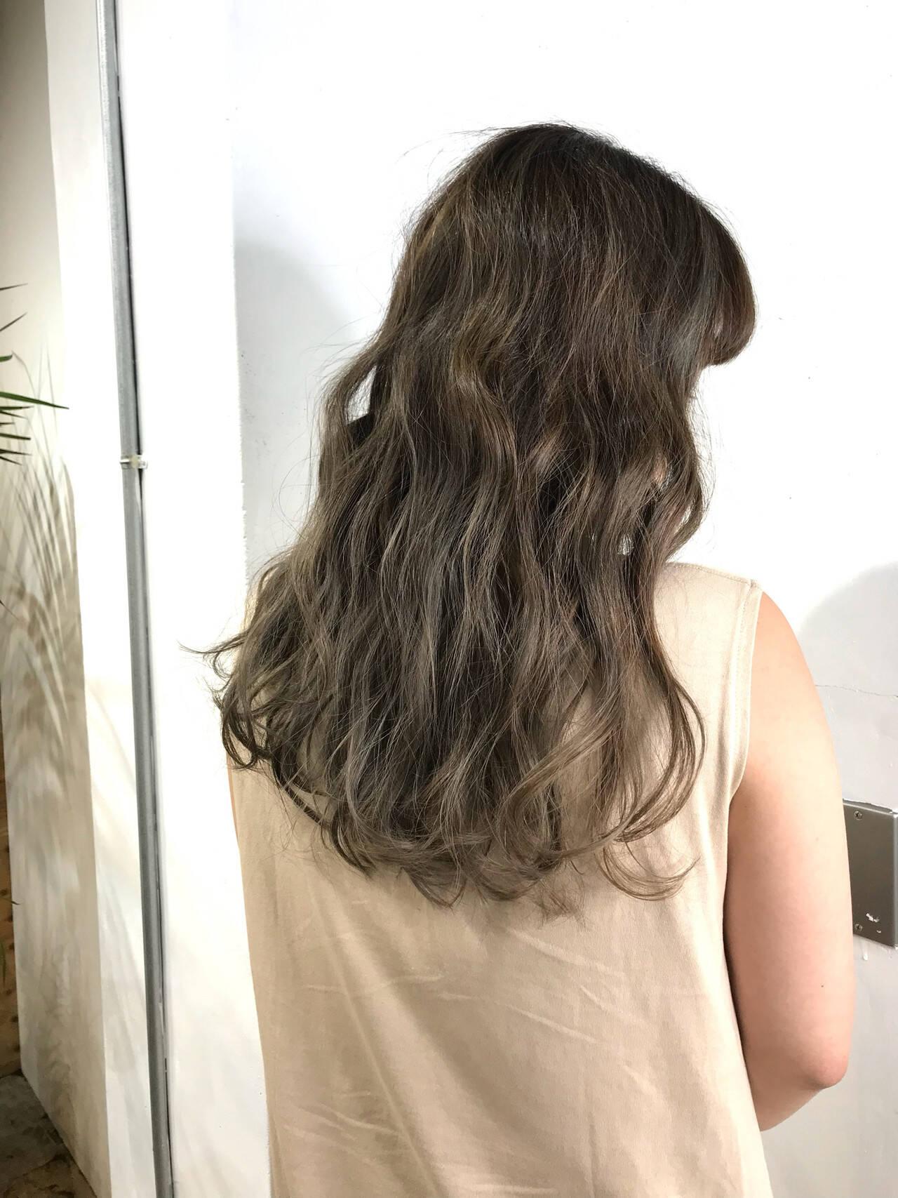 ハイトーンカラー ハイライト ストリート アッシュヘアスタイルや髪型の写真・画像