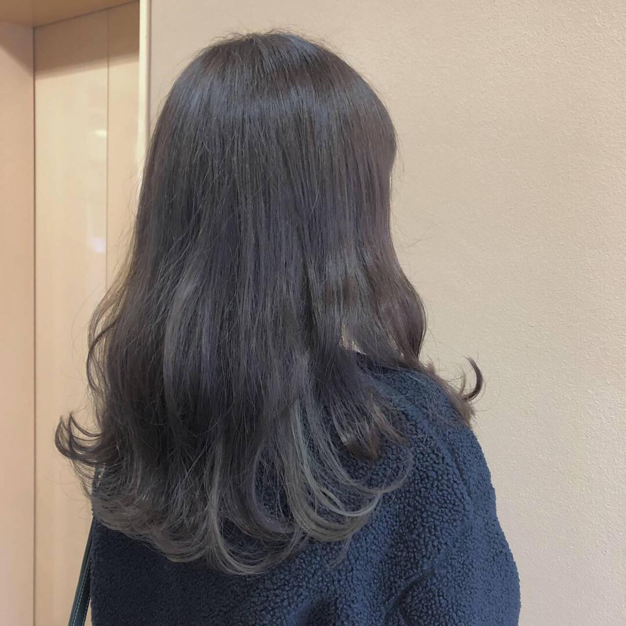 フェミニン ロング インナーカラーグレージュ インナーカラーヘアスタイルや髪型の写真・画像
