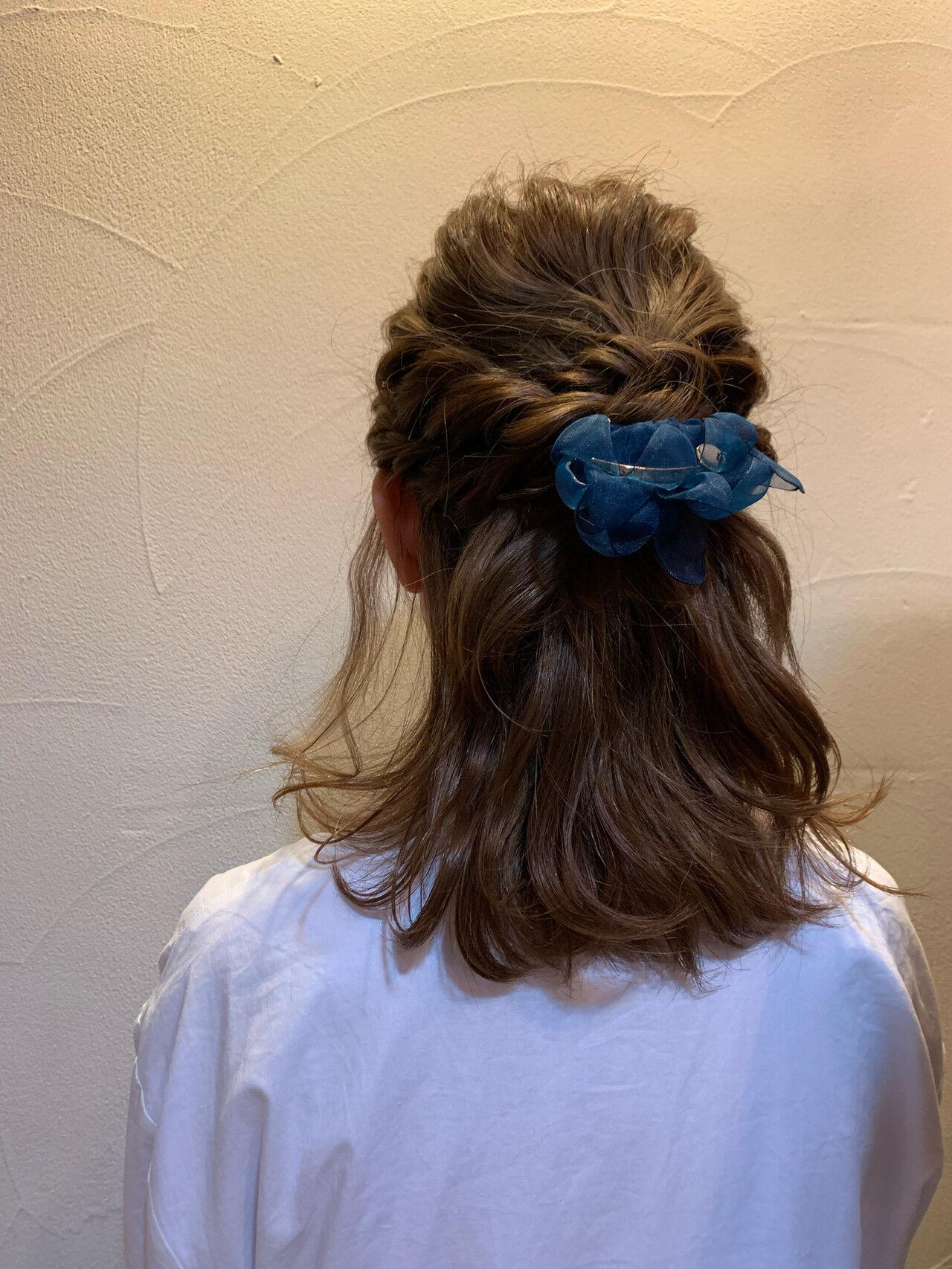 ナチュラル セミロング 簡単ヘアアレンジ ヘアアレンジヘアスタイルや髪型の写真・画像