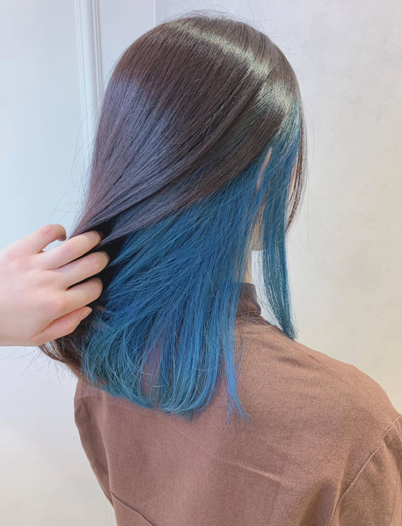 ブルー ヘアアレンジ ミディアム インナーカラーヘアスタイルや髪型の写真・画像