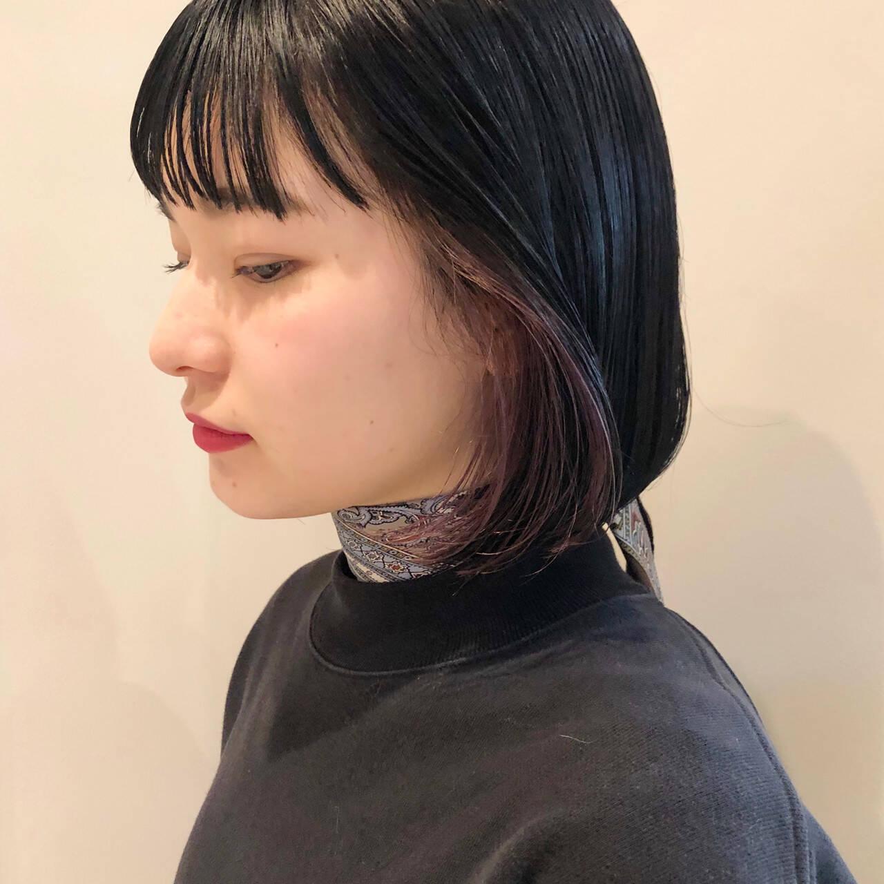 ナチュラル ミニボブ インナーカラー パープルアッシュヘアスタイルや髪型の写真・画像