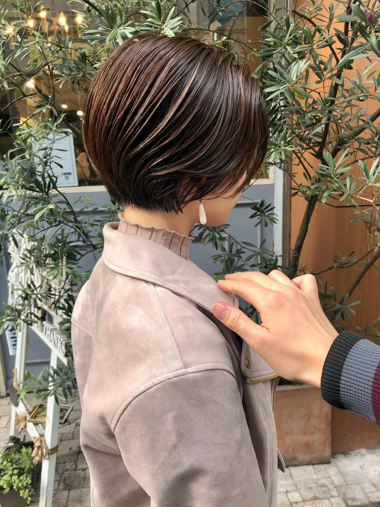 ショートボブ ショートヘア ベリーショート ミニボブヘアスタイルや髪型の写真・画像