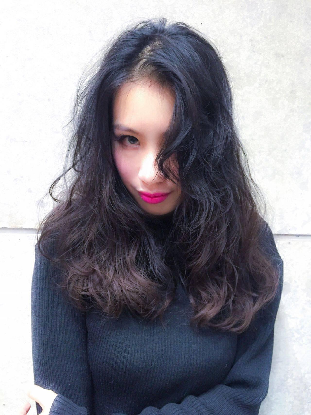 ストリート ショート 暗髪 ロングヘアスタイルや髪型の写真・画像