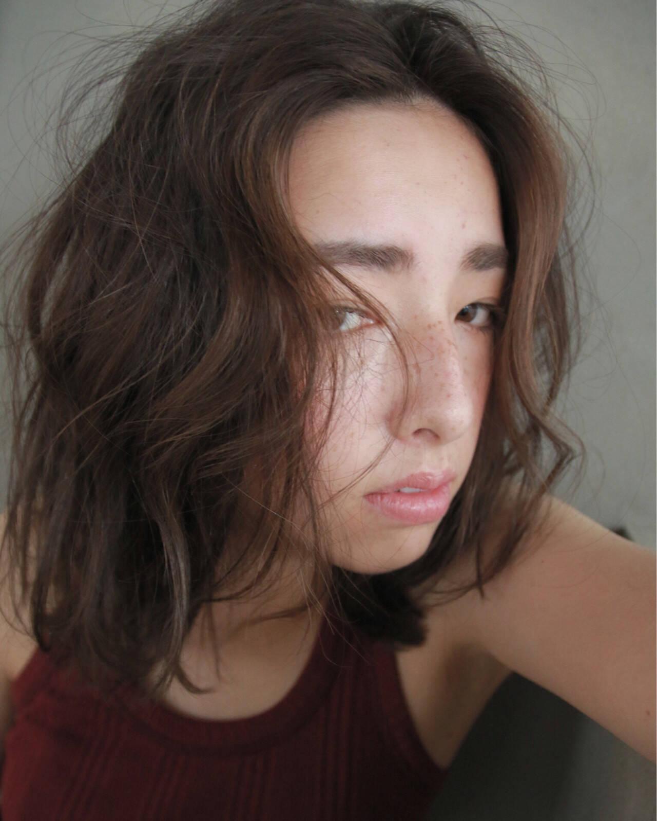 ストリート くせ毛風 外国人風 色気ヘアスタイルや髪型の写真・画像