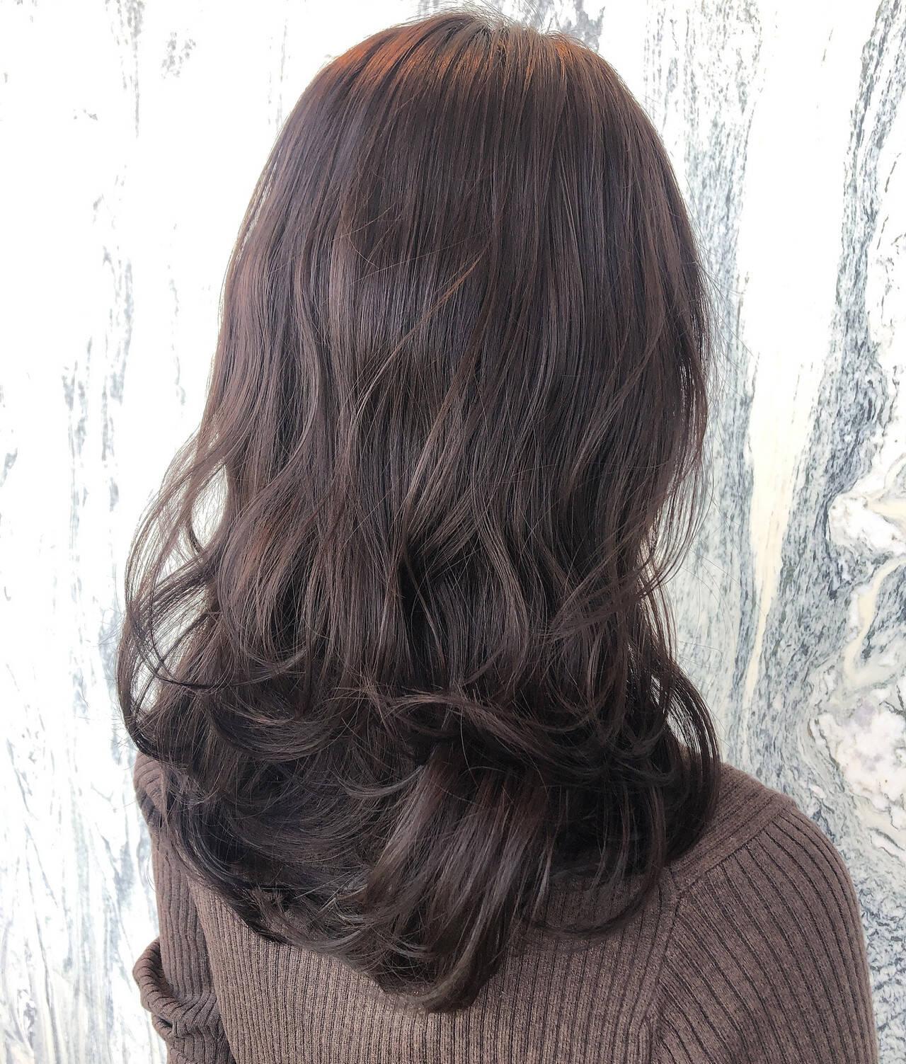 大人ロング ミディアム ゆるふわパーマ 切りっぱなしボブヘアスタイルや髪型の写真・画像