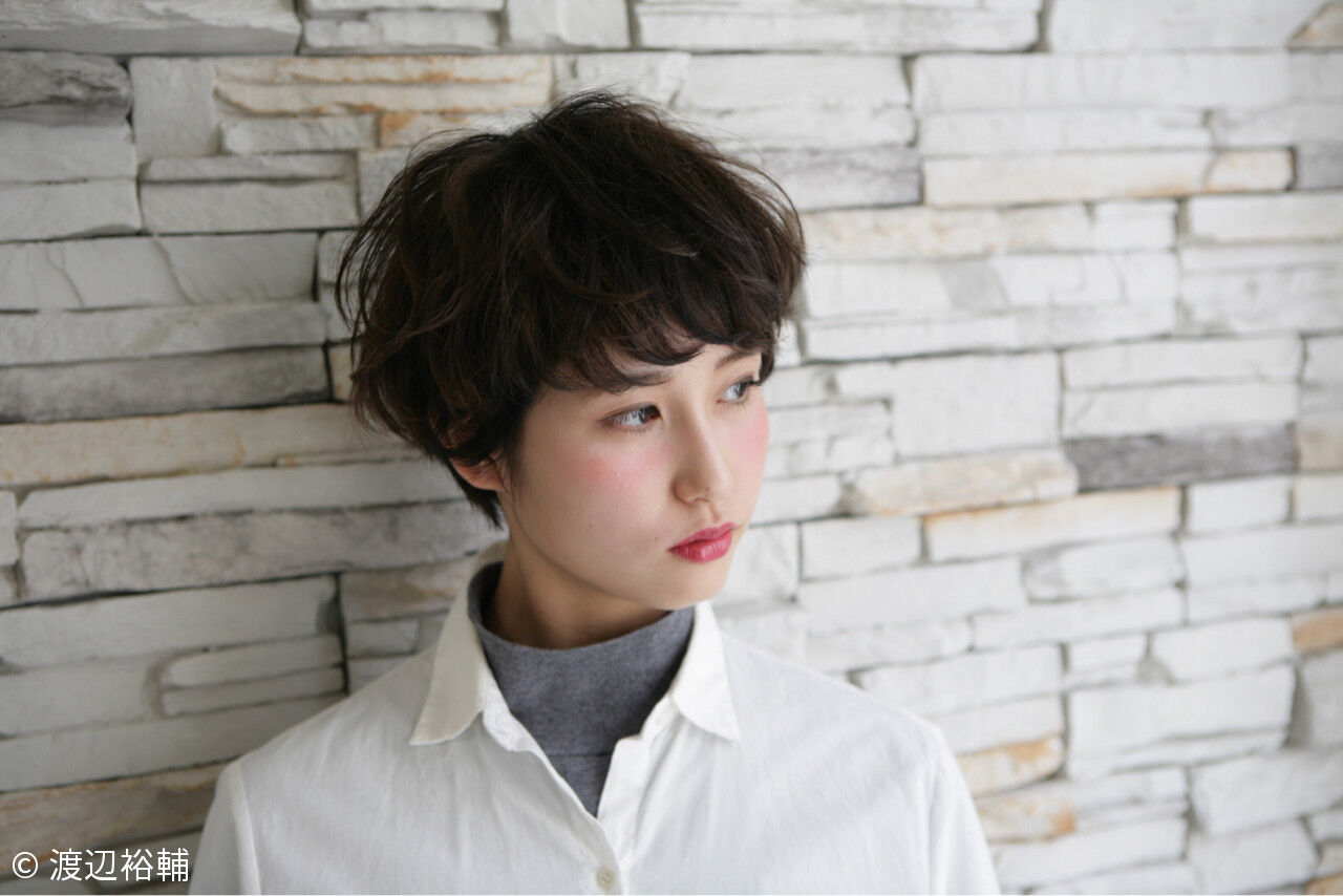 外国人風 ショート 大人かわいい グラデーションカラーヘアスタイルや髪型の写真・画像