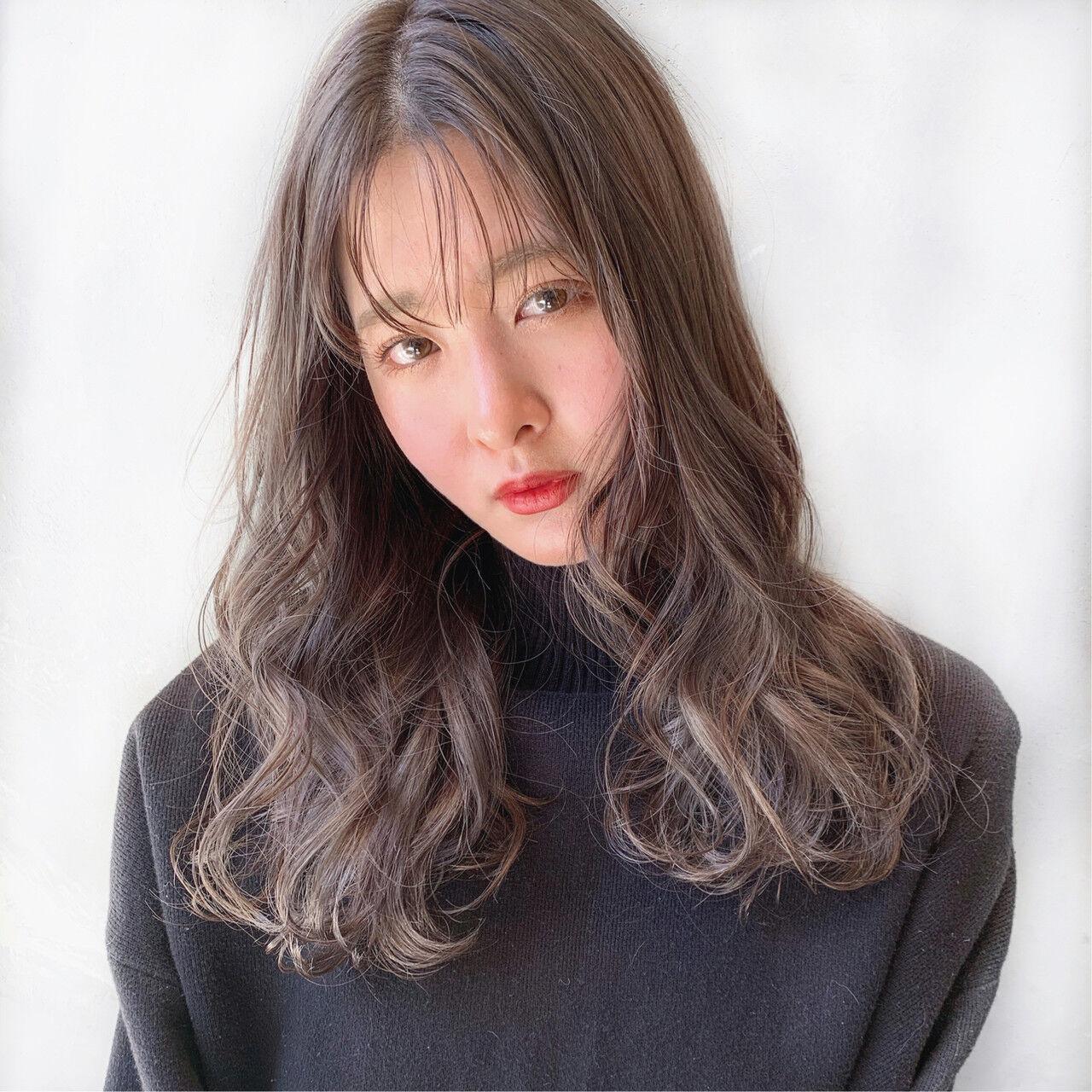 ナチュラル アンニュイほつれヘア ロング 透明感カラーヘアスタイルや髪型の写真・画像