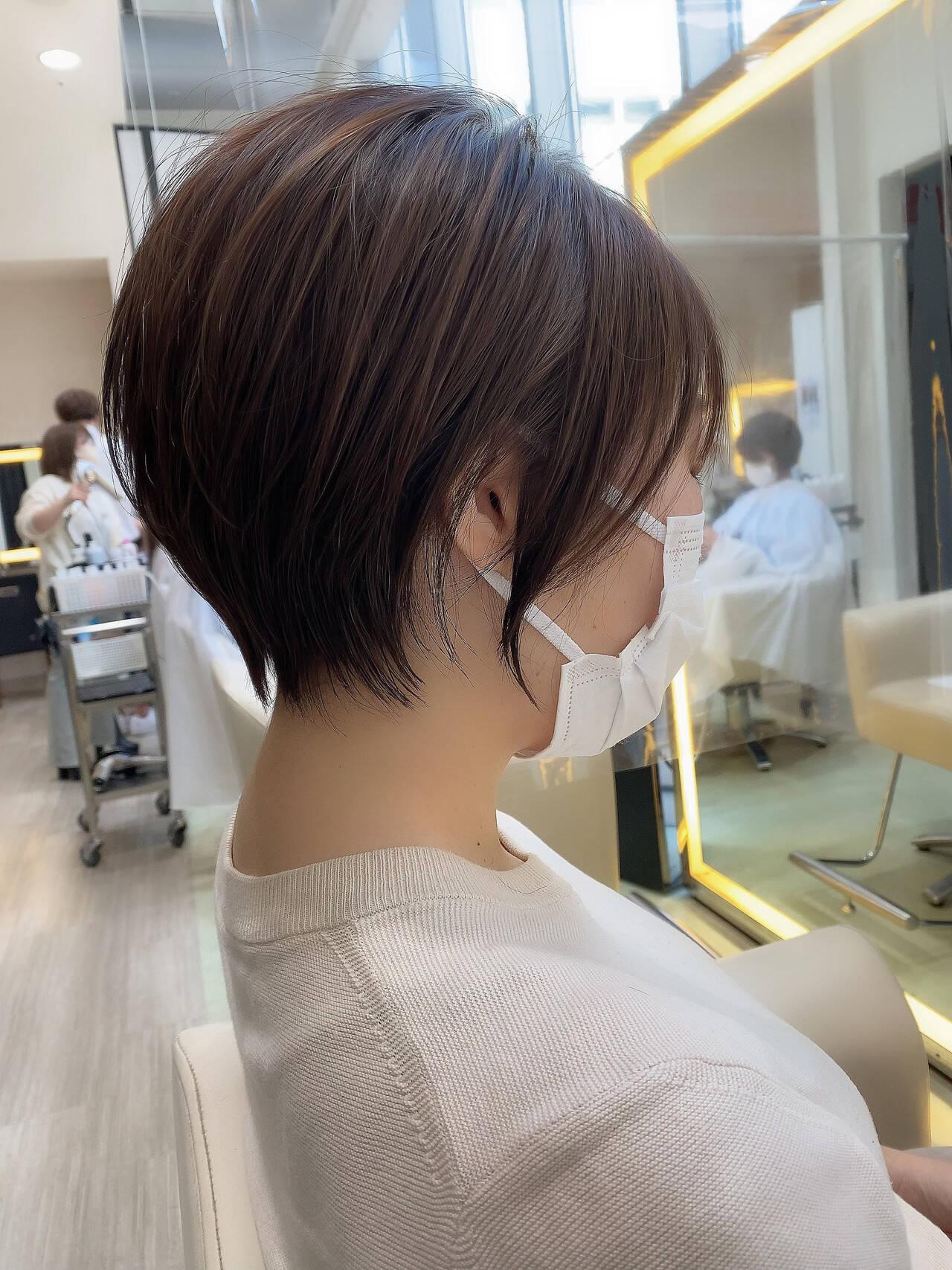 インナーカラー ショートボブ ナチュラル ショートヘアスタイルや髪型の写真・画像