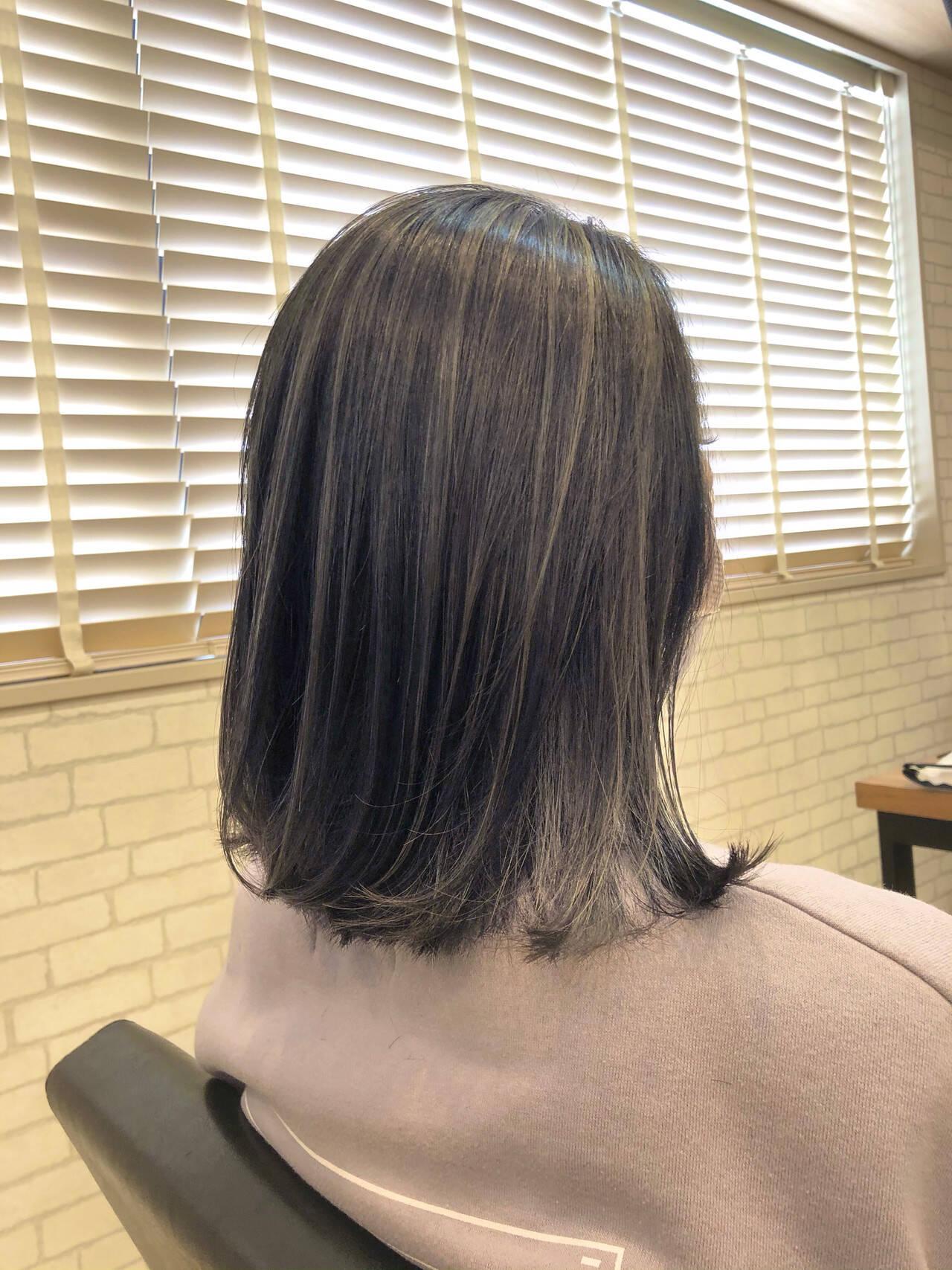 セミロング ブルーバイオレット 外国人風カラー ガーリーヘアスタイルや髪型の写真・画像