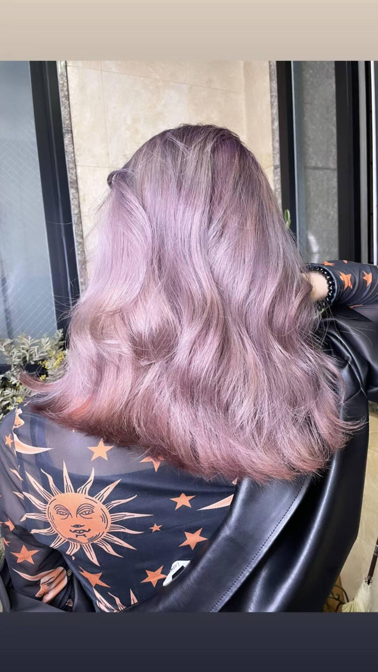 切りっぱなしボブ ミルクティーベージュ ロング 透明感カラーヘアスタイルや髪型の写真・画像