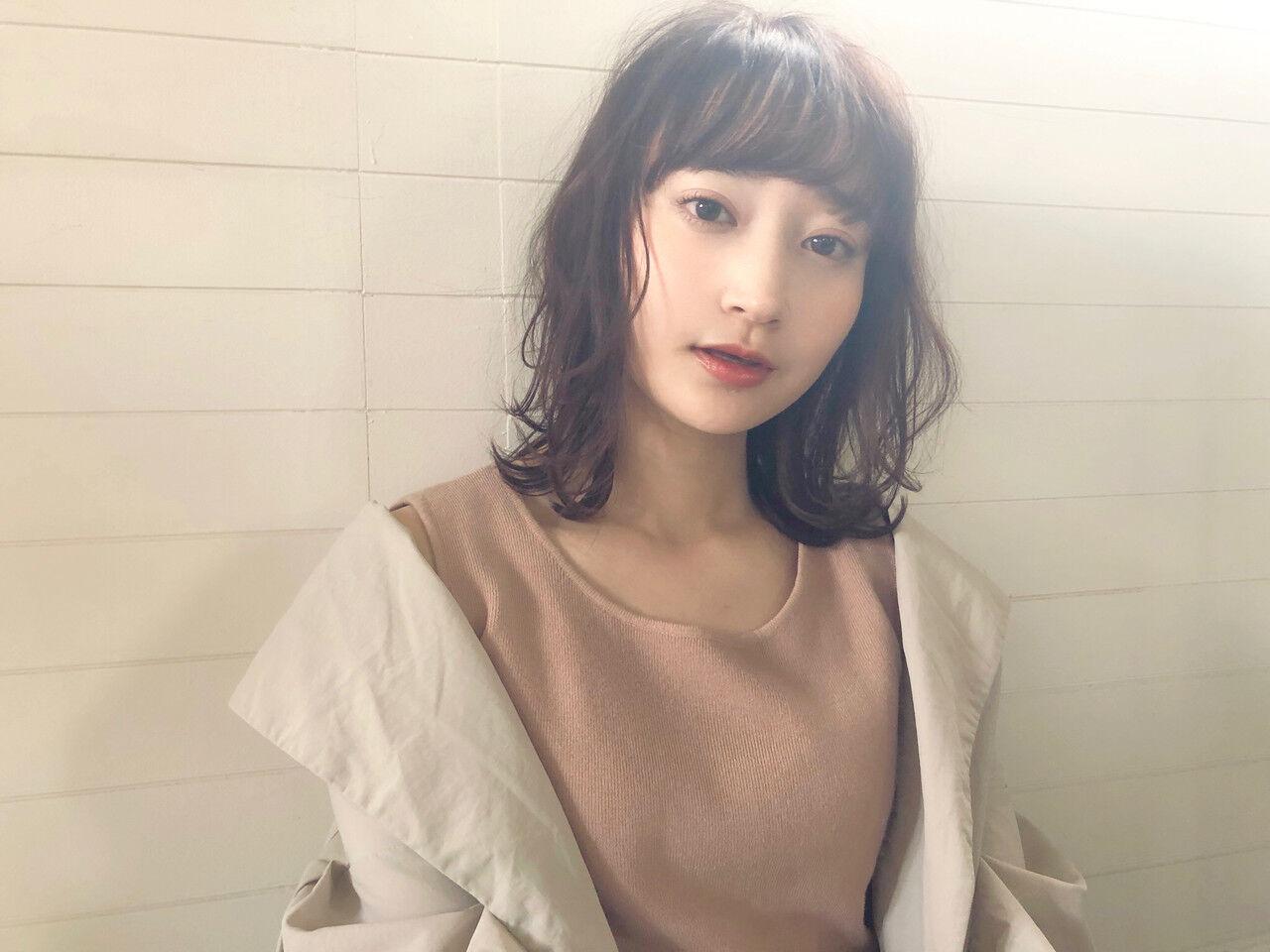 大人かわいい ミディアム パーマ ナチュラルヘアスタイルや髪型の写真・画像