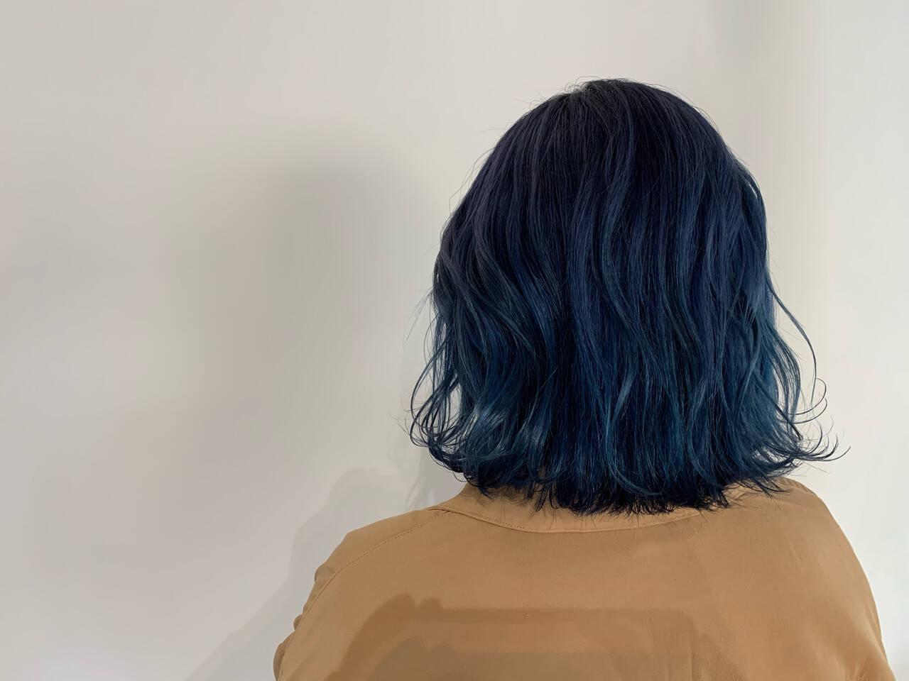 ブルーブラック モード ネイビーブルー ブルーヘアスタイルや髪型の写真・画像