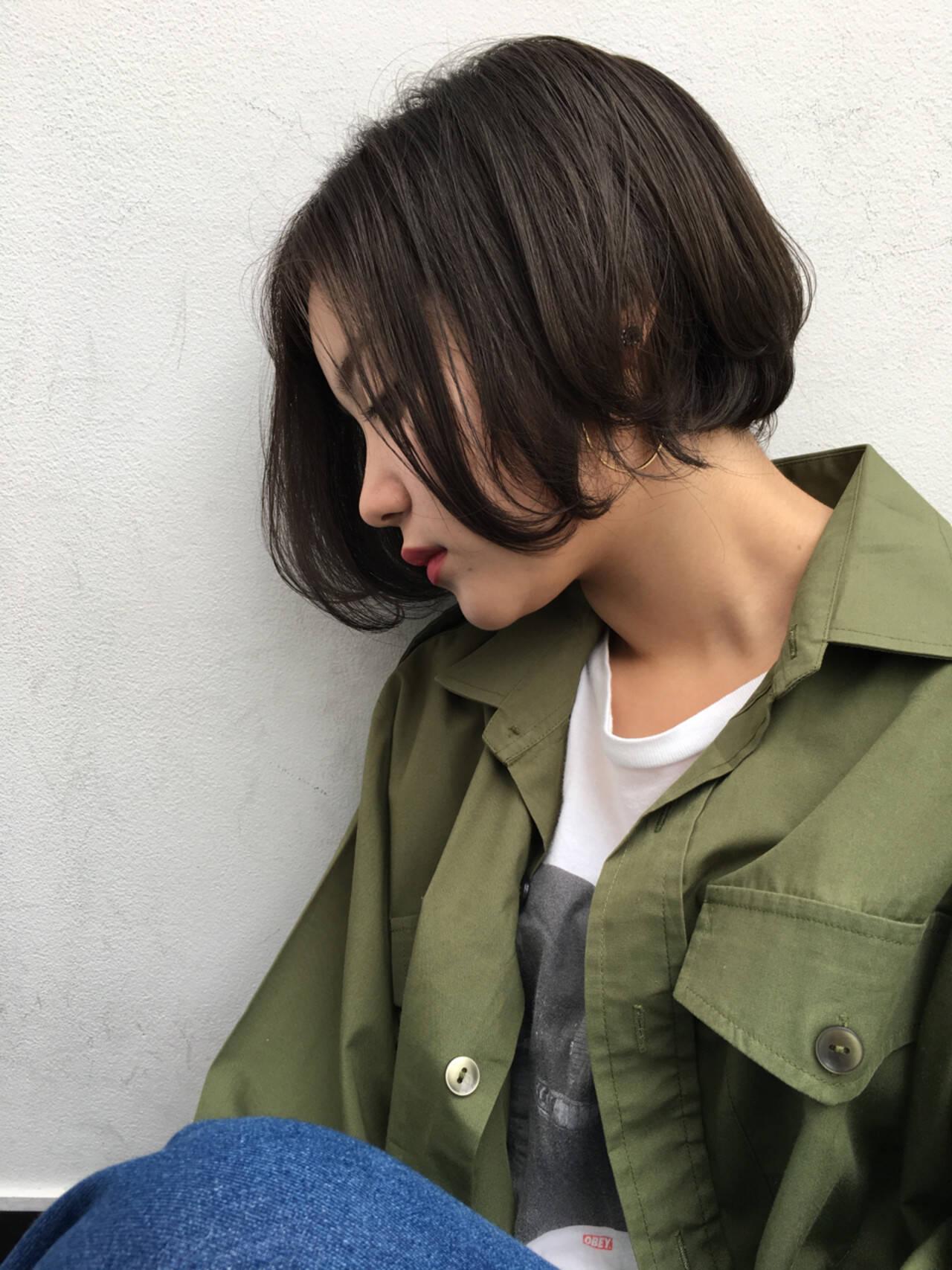 斜め前髪 外国人風 ボブ ハイライトヘアスタイルや髪型の写真・画像